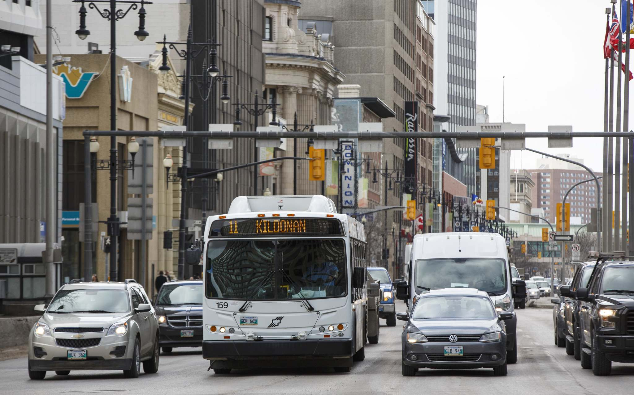 >Winnipeg Transit is proposing to cancel 18 current routes, redraw 10 and introduce 14 new ones that will link into the new corridor. (Mike Deal / Winnipeg Free Press files)