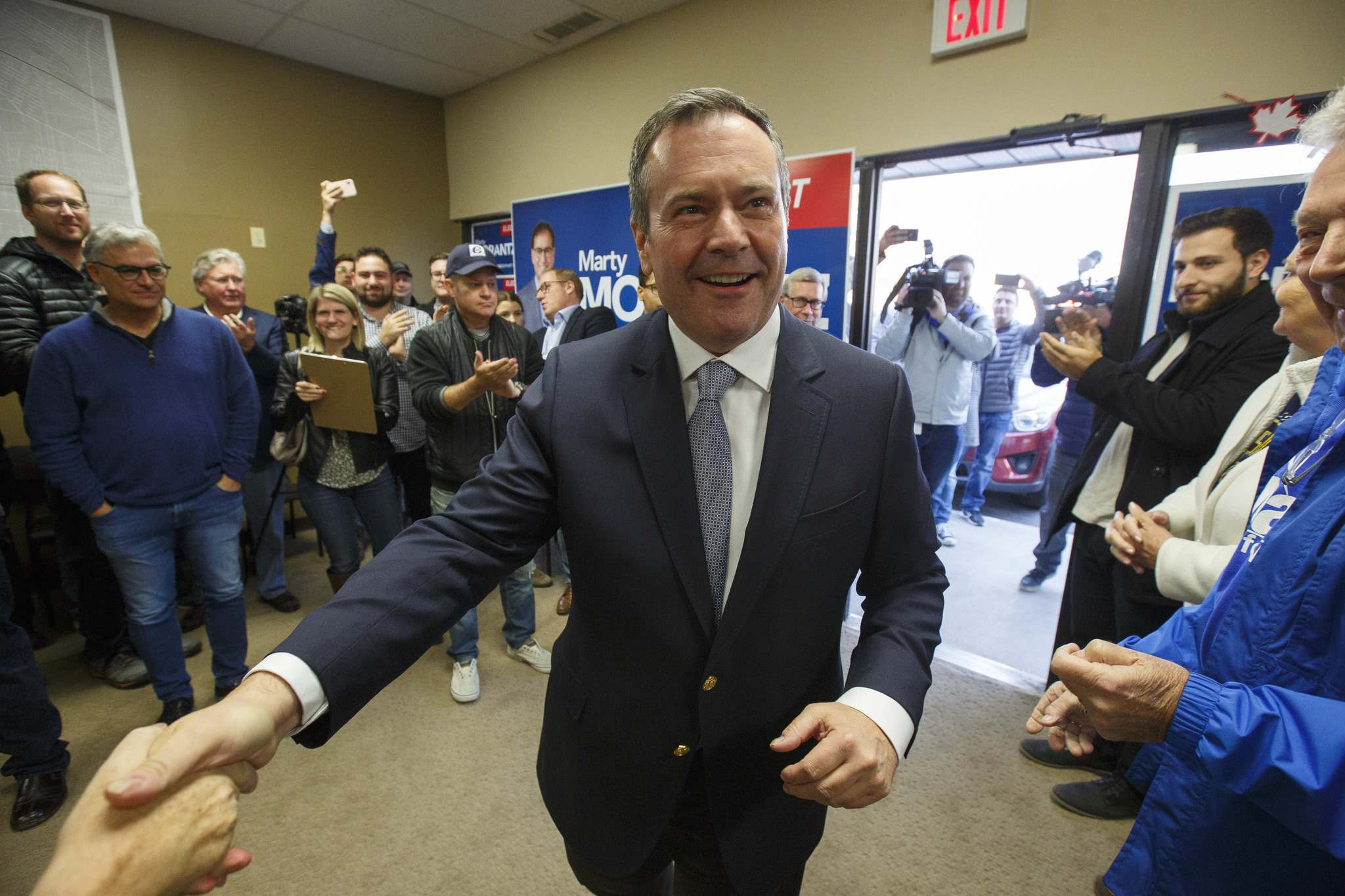 <p>Alberta Premier Jason Kenney, arrives at the campaign office of Conservative Party of Canada candidate Marty Morantz Saturday.</p>