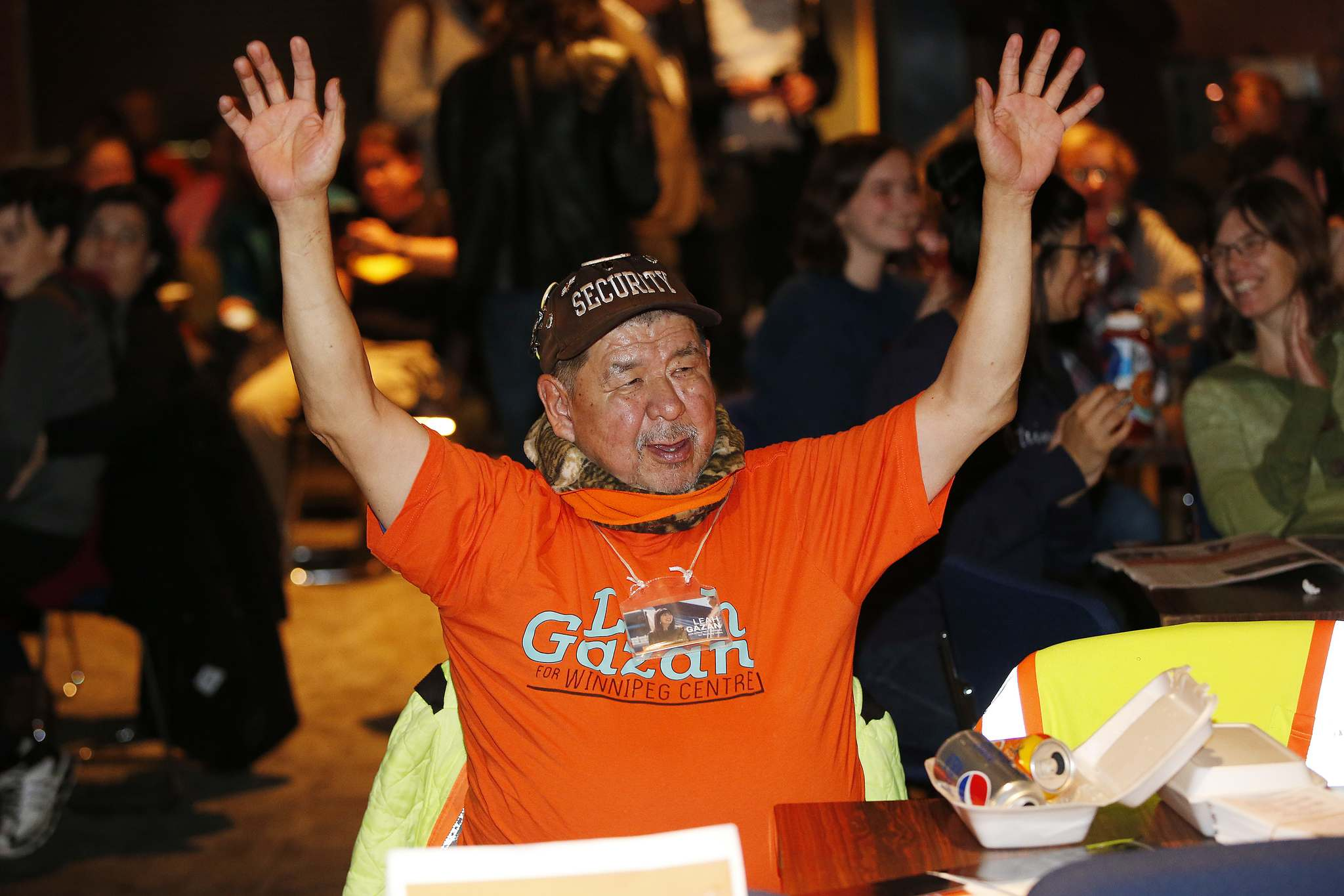 Supporters of Leah Gazan celebrate at the West End Cultural Centre. (John Woods / Winnipeg Free Press)</p>