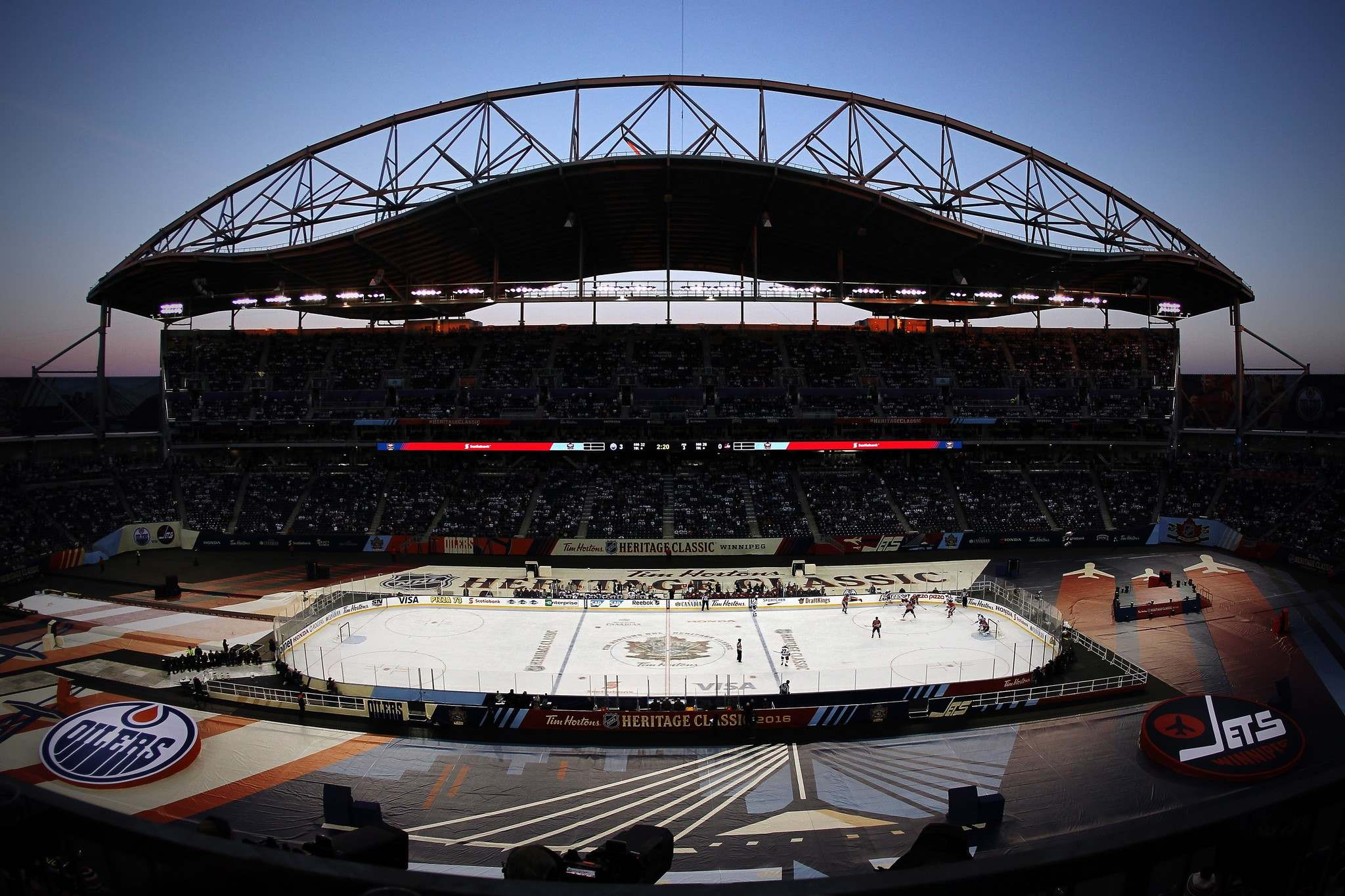 A 9 p.m. start in Regina will ensure the glare of the sun won't be an issue like it was in Winnipeg in 2016, when the game was delayed by two hours. (John Woods / The Canadian Press files)</p>
