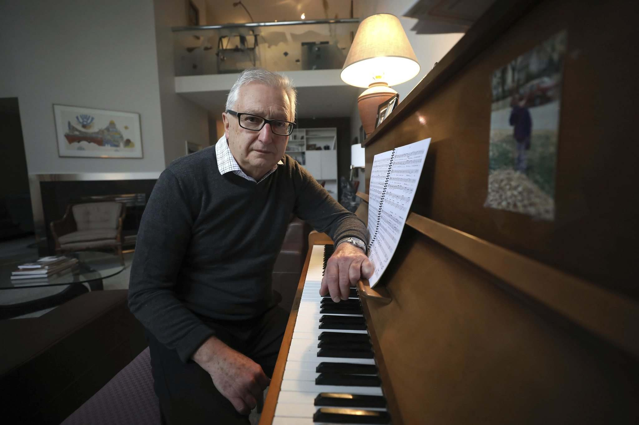 RUTH BONNEVILLE / WINNIPEG FREE PRESS</p><p>Composer Sid Rabinovitch wrote Eddy's Story, which honours Holocaust survivor Eddy Sterk's family members who died in the Second World War. The story is told through narration and music.</p></p>