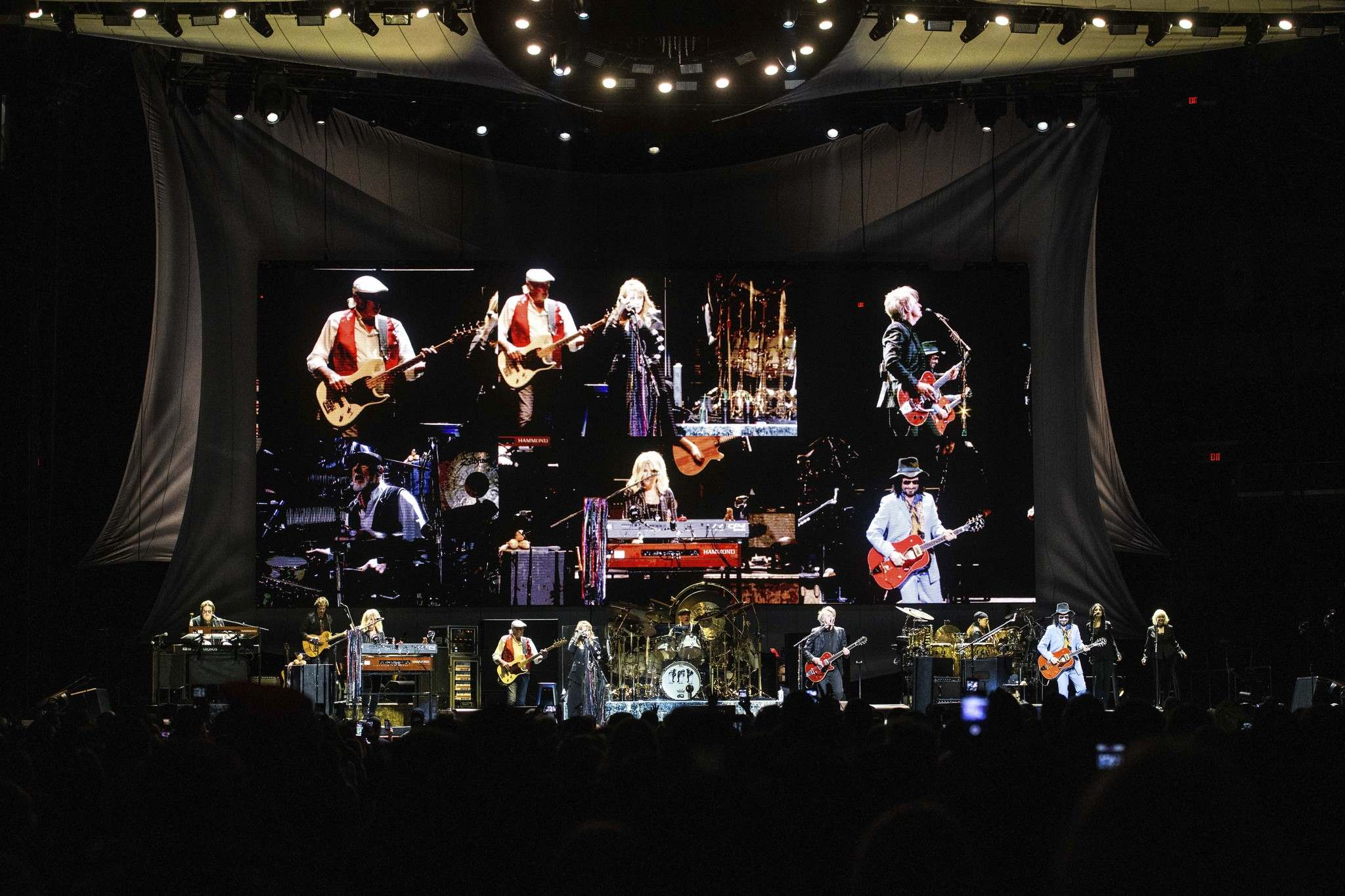 Mike Sudoma / Winnipeg Free Press</p><p>Fleetwood Mac brings their 50th Anniversary tour to Bell MTS Place for almost over 11,000 fans young and old Thursday evening.</p>