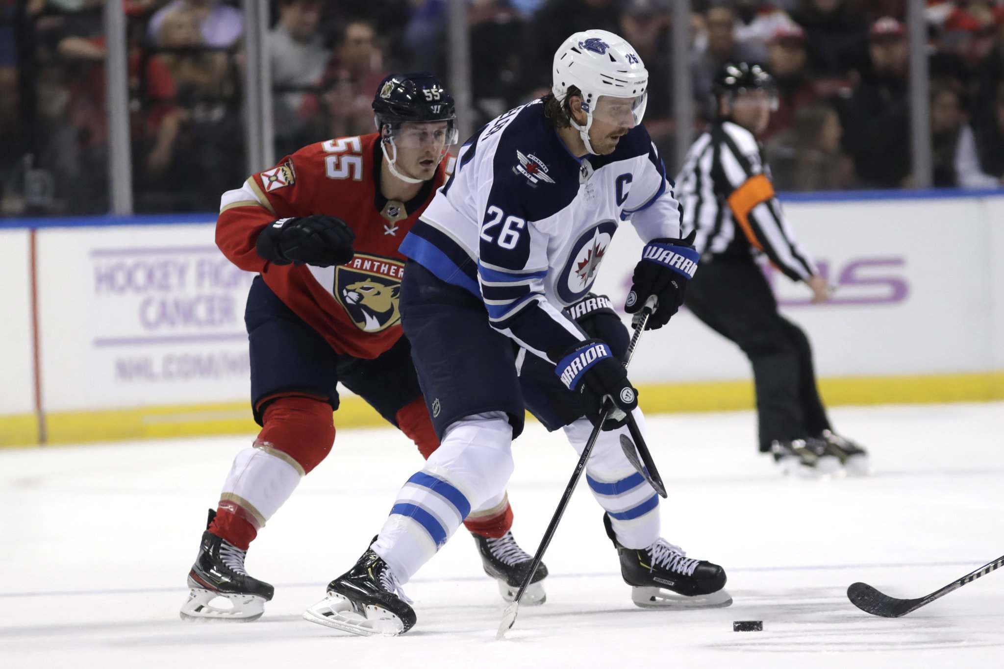 With the loss of Bryan Little, Blake Wheeler has been moved to centre. (Lynne Sladky / The Associated Press)</p>
