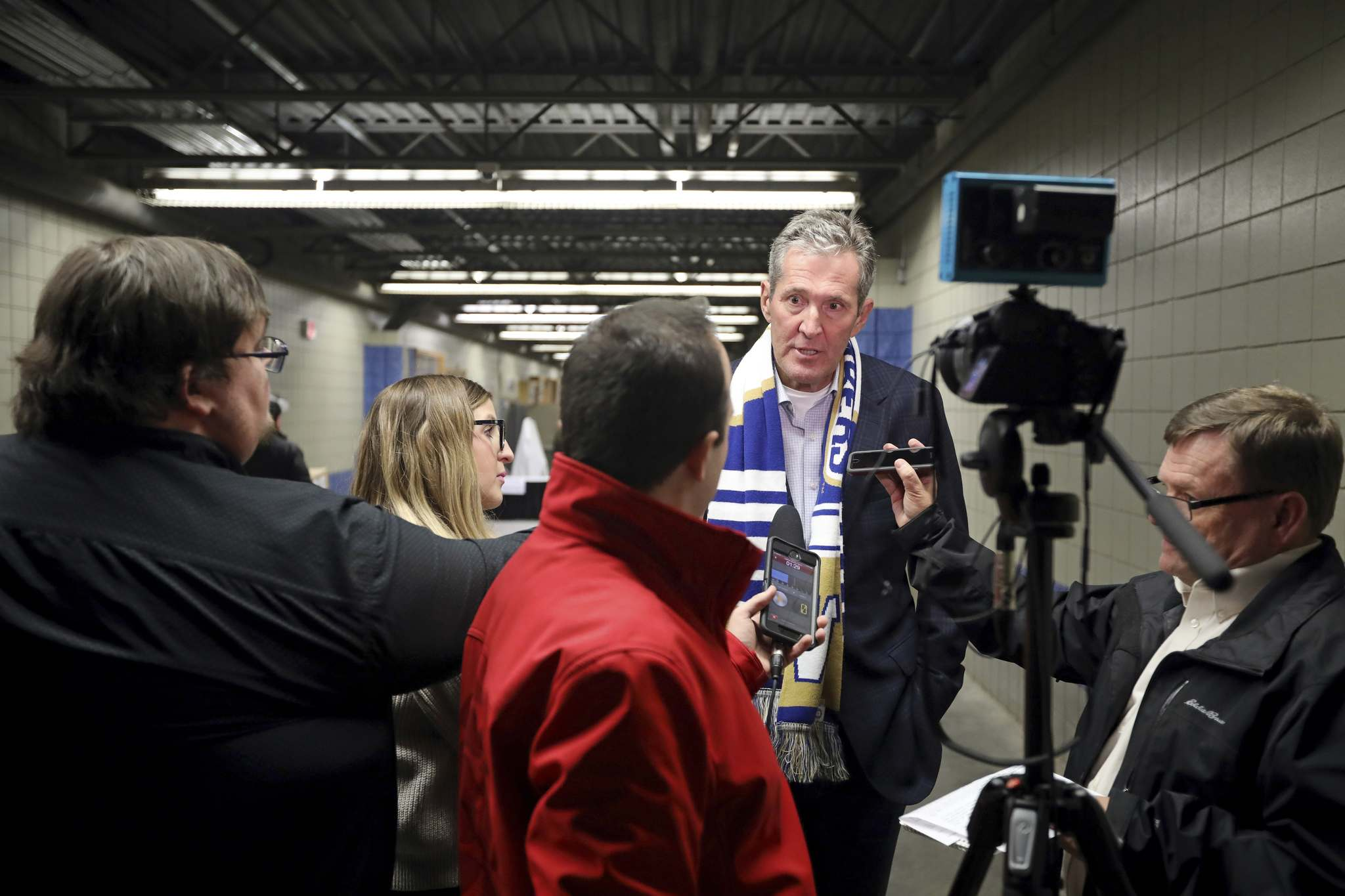 It's a classic Pallister strategy; top a news release with huge number and then reveal slowly that it's a lot less than was billed in the news release.(Tim Smith / The Brandon Sun)