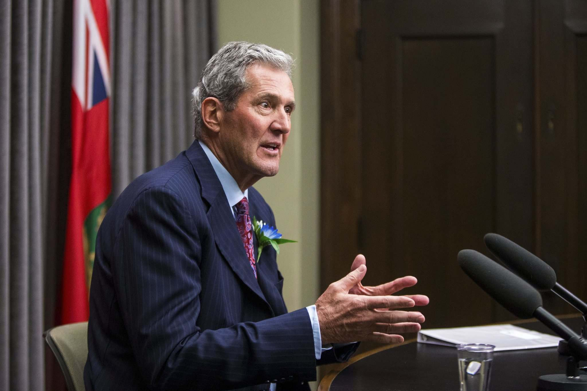 MIKAELA MACKENZIE / WINNIPEG FREE PRESS</p><p>Premier Brian Pallister speaks with the media after the speech from the throne at the Manitoba Legislative Building on Nov. 19.</p>