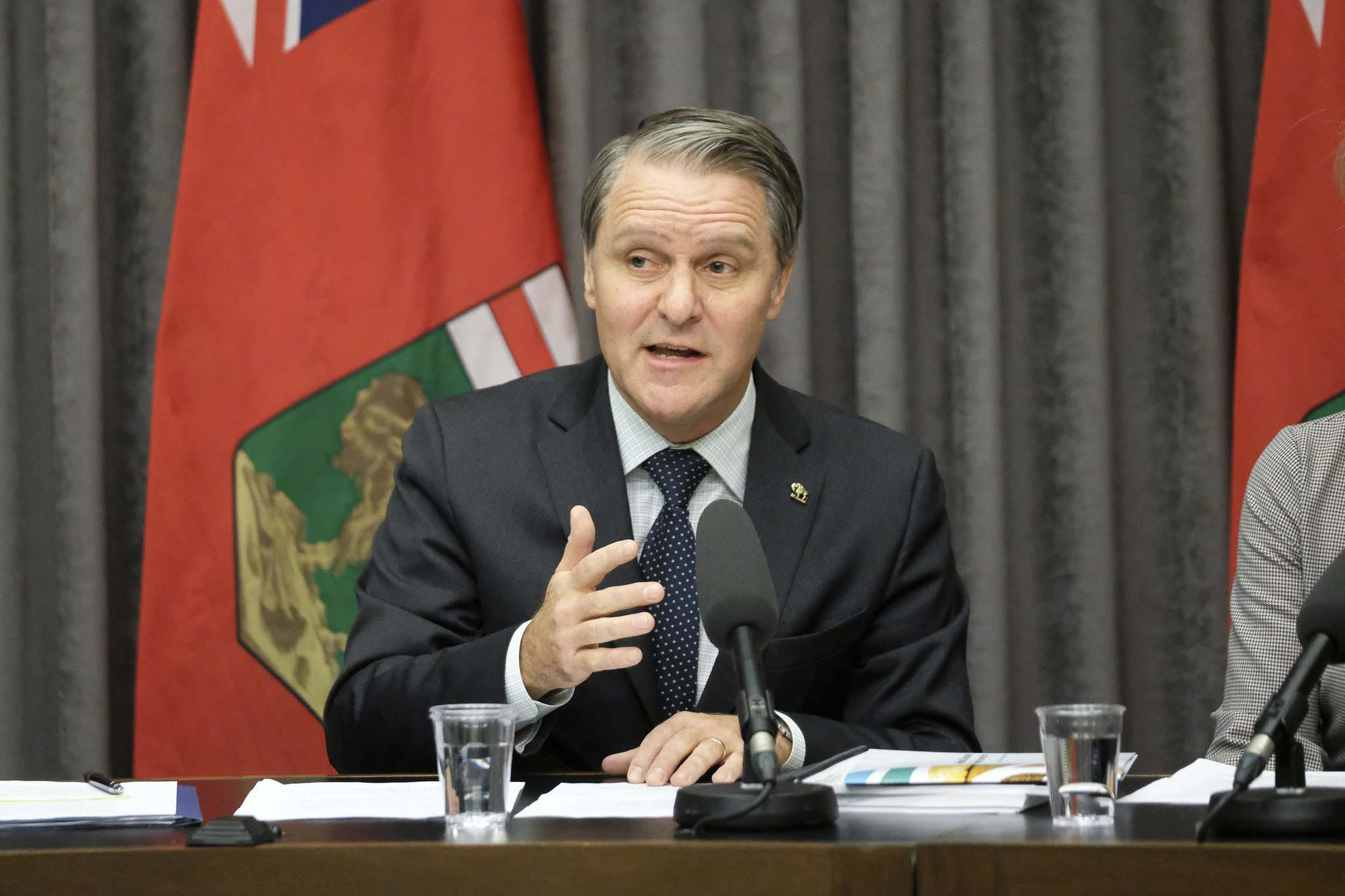 Health, Seniors and Active Living Minister Cameron Friesen speaks about the government's new preventive and clinical health care plan. (Daniel Crump / Winnipeg Free Press)</p>