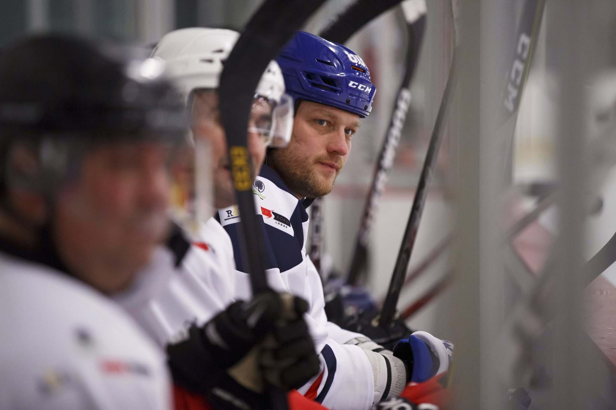 MIKE DEAL / WINNIPEG FREE PRESS</p><p>Former Jets forward Nik Antropov monitors play during Winnipeg's first Hockey Helps the Homeless tournament at Seven Oaks Arena on Friday.</p>