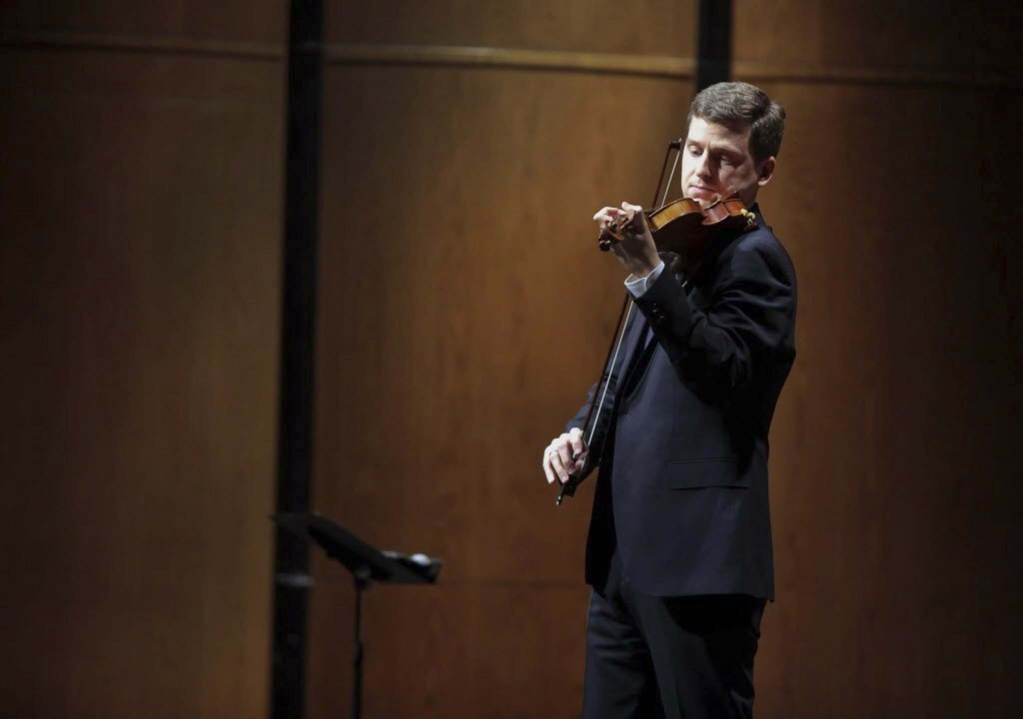 Bruce Bumstead / Brandon Sun files</p><p>Brandon-born violinist James Ehnes brought his sterling artistry to Vivaldi's The Four Seasons.</p></p>