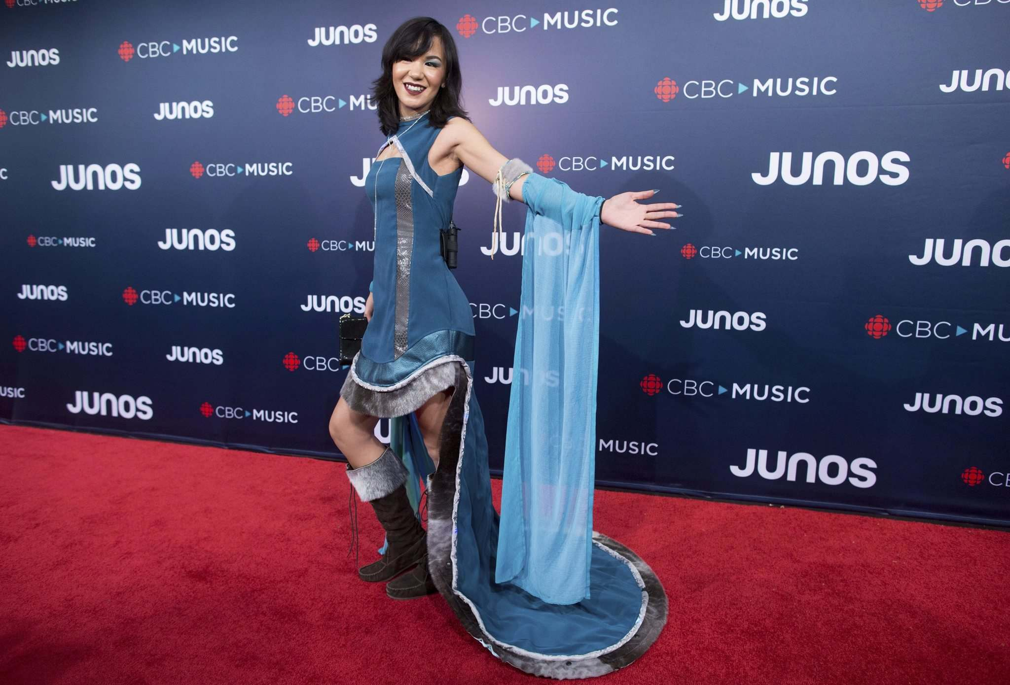 Kelly Fraser arrives on the red carpet at the Juno Awards in Vancouver on March, 25, 2018. The singer-songwriter has died at the age of 26. (Darryl Dyck / The Canadian Press files)