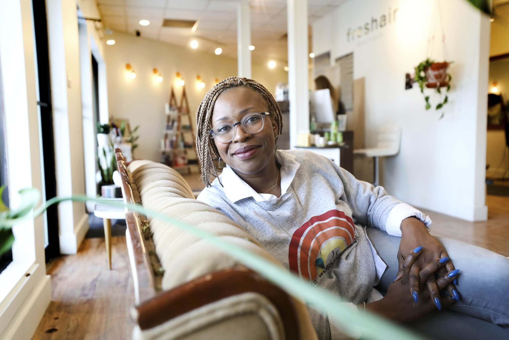Praise Okwumabuain's Freshair became the first independent salon in Winnipeg to enrol in the recycling program. (Ruth Bonneville / Winnipeg Free Press)