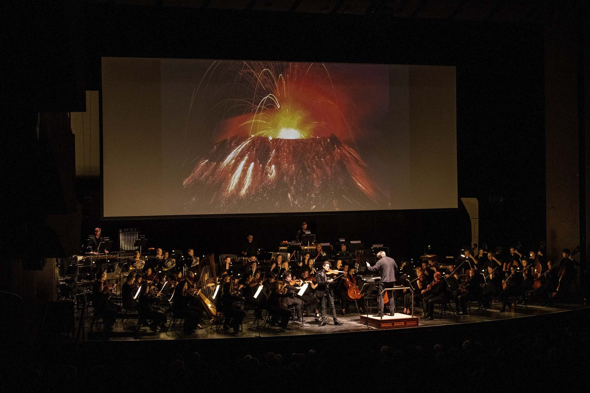 Soloist Alexandre De Costa performs Volcano, the first of three parts of Micheal Daugherty's 3 part composition, Fire and Blood with the Winnipeg Symphony Orchestra Saturday night as part of the Winnipeg New Music Festival. (Mike Sudoma / Winnipeg Free Press)</p>
