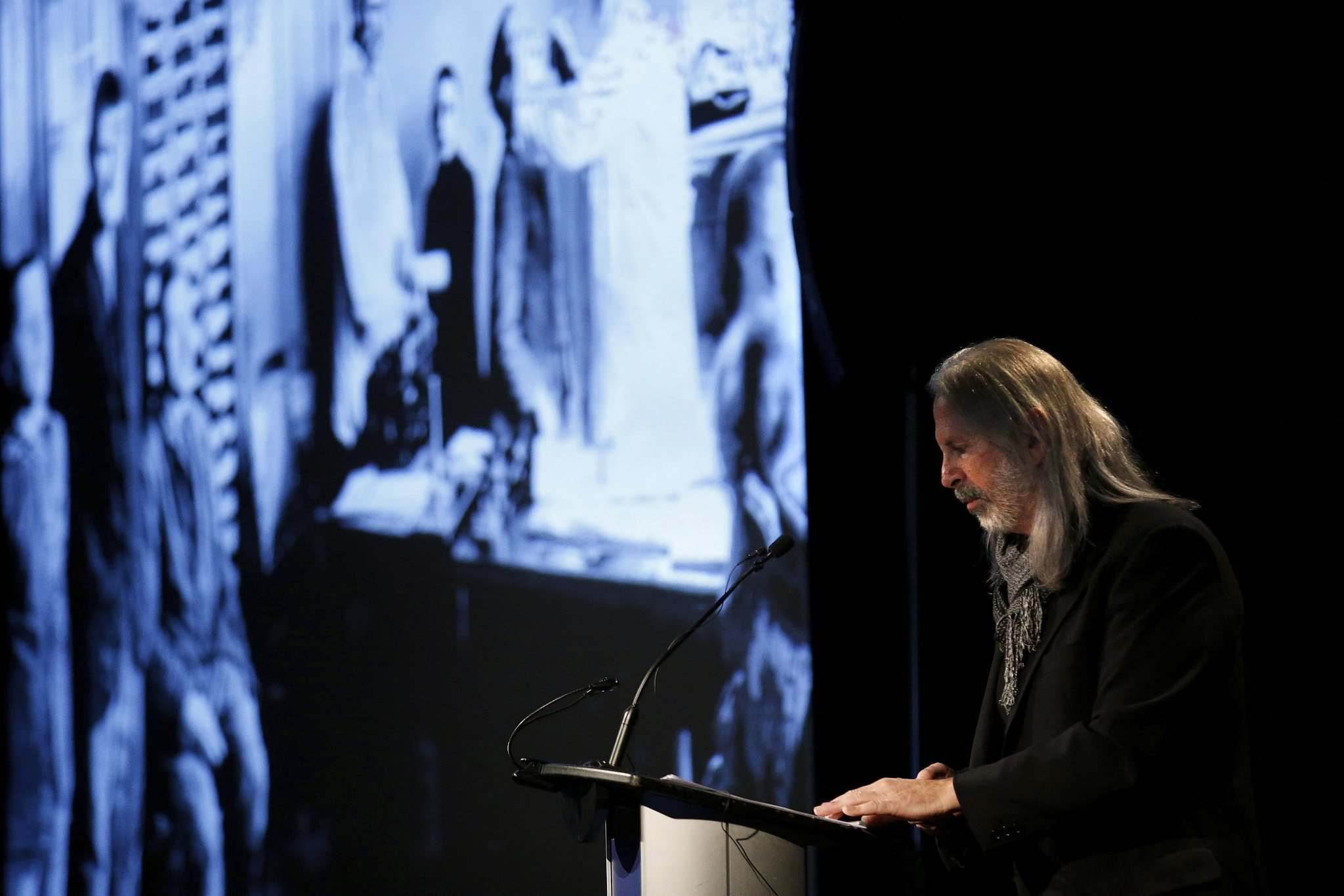 JOHN WOODS / WINNIPEG FREE PRESS</p><p>Richard Lowy, a Vancouver-based filmmaker, delivers his presentation, Leo's Journey: In My Father's Words, at the Canadian Museum for Human Rights on Sunday.</p></p>