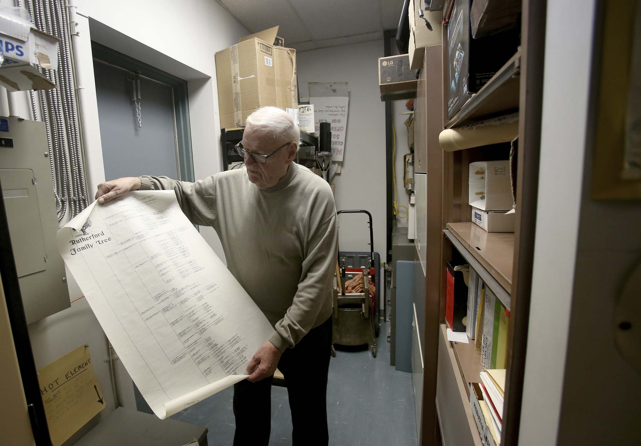 Jim Rutherford unrolls an extensive family tree.</p></p>