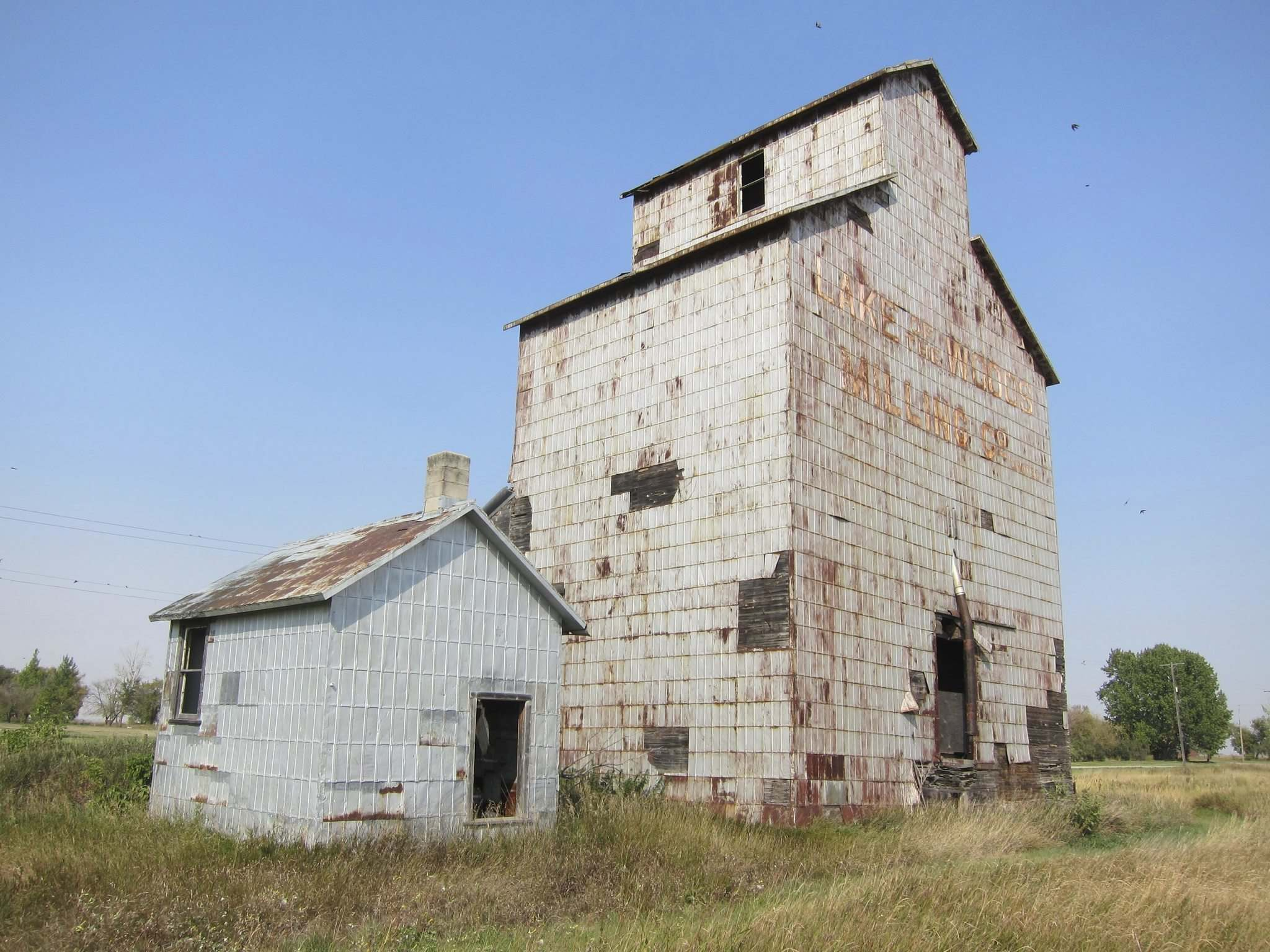 The Elva grain elevator is believed to be the oldest one in Canada, built in the fall of 1897. (Gordon Goldsborough)