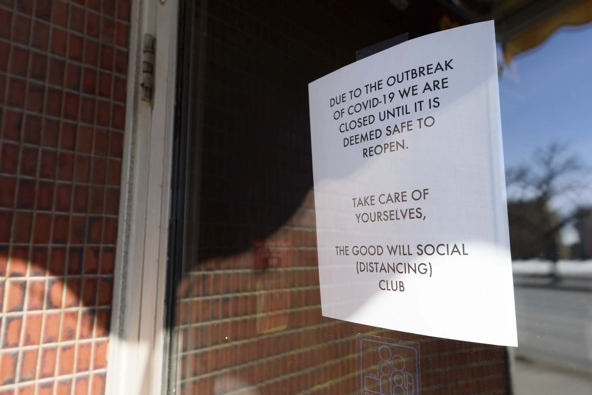 The Good Will Social Club on Portage Avenue promotes social distancing as it remains closed. (Jesse Boily / Winnipeg Free Press)
