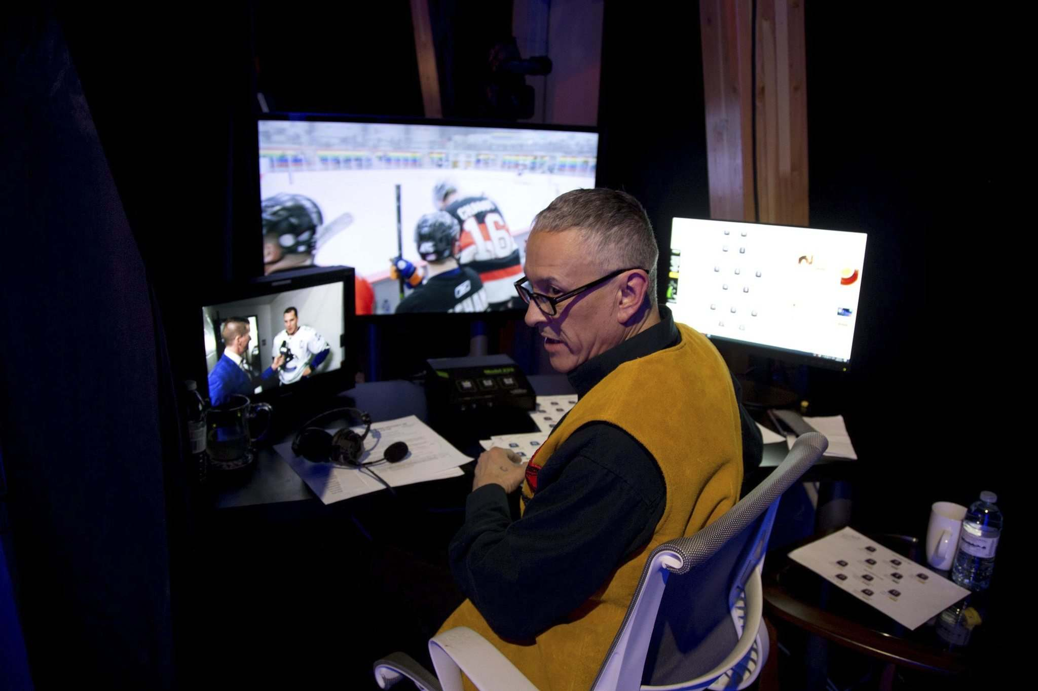 MELISSA MARTIN / WINNIPEG FREE PRESS</p><p>Clarence Iron always dreamed of play-by-play announcing, but never imagined it would be in Cree.</p>