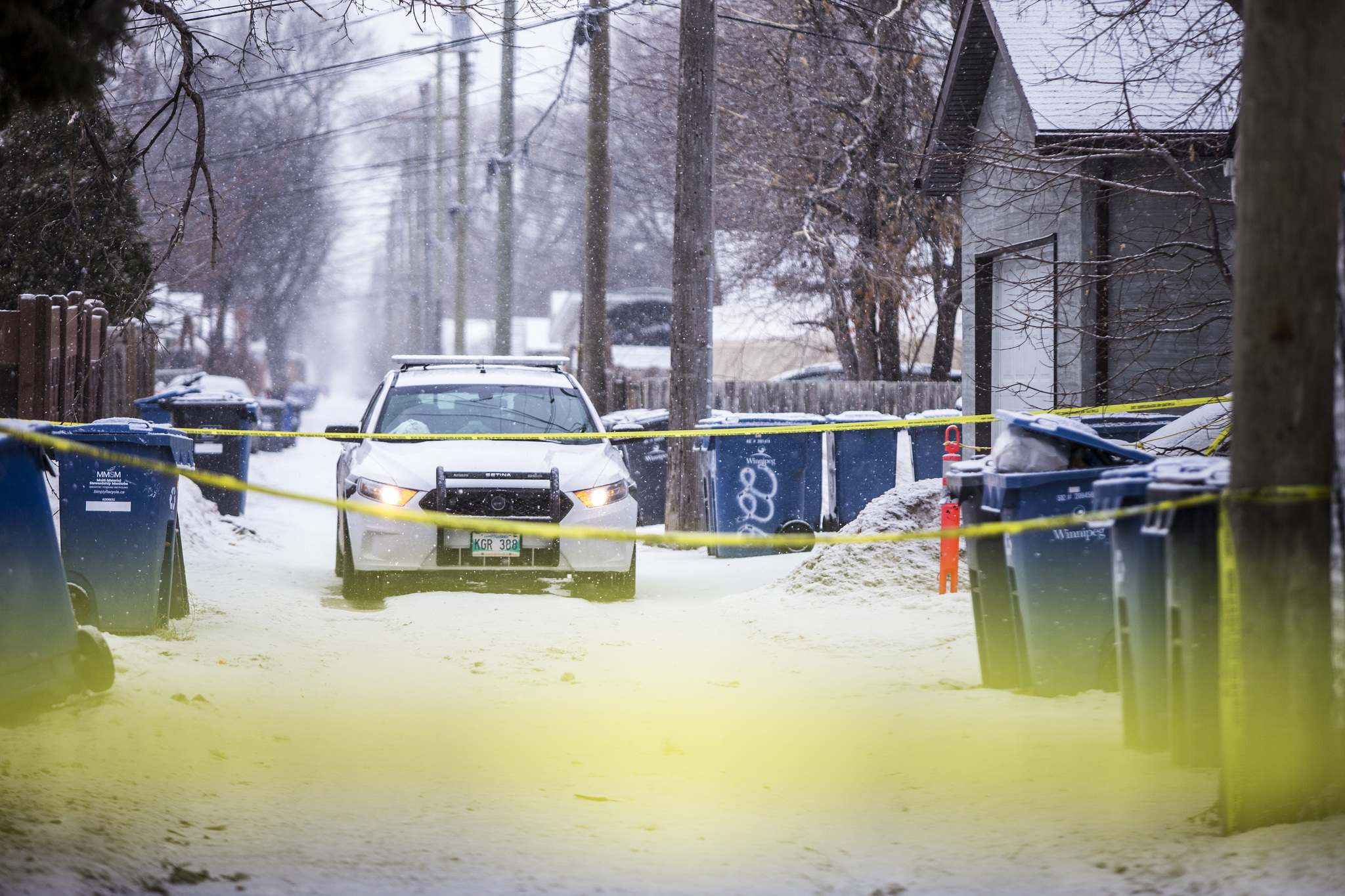 A homeowner on the 200 block of Landsdowne Avenue found the body in a garbage g bin and called police around 7:40 p.m. Wednesday. (Mikaela MacKenzie / Winnipeg Free Press)</p>