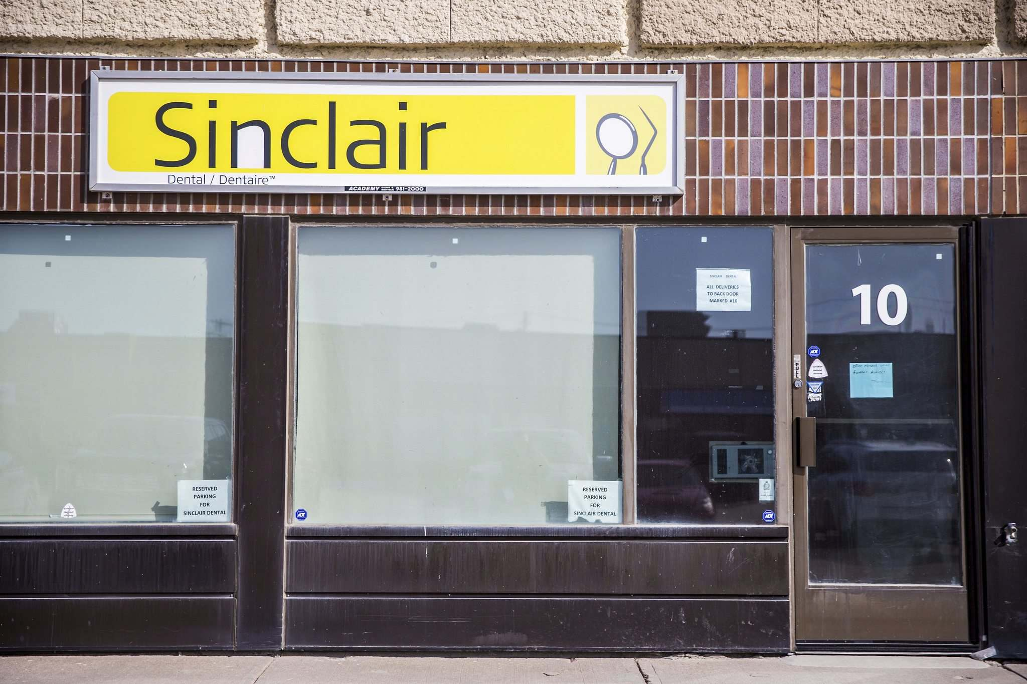 The Free Press has confirmed that Margaret Sader, who worked at Sinclair Dental in Winnipeg, was Manitoba's first COVID-19 fatality. (Mikaela MacKenzie / Winnipeg Free Press)