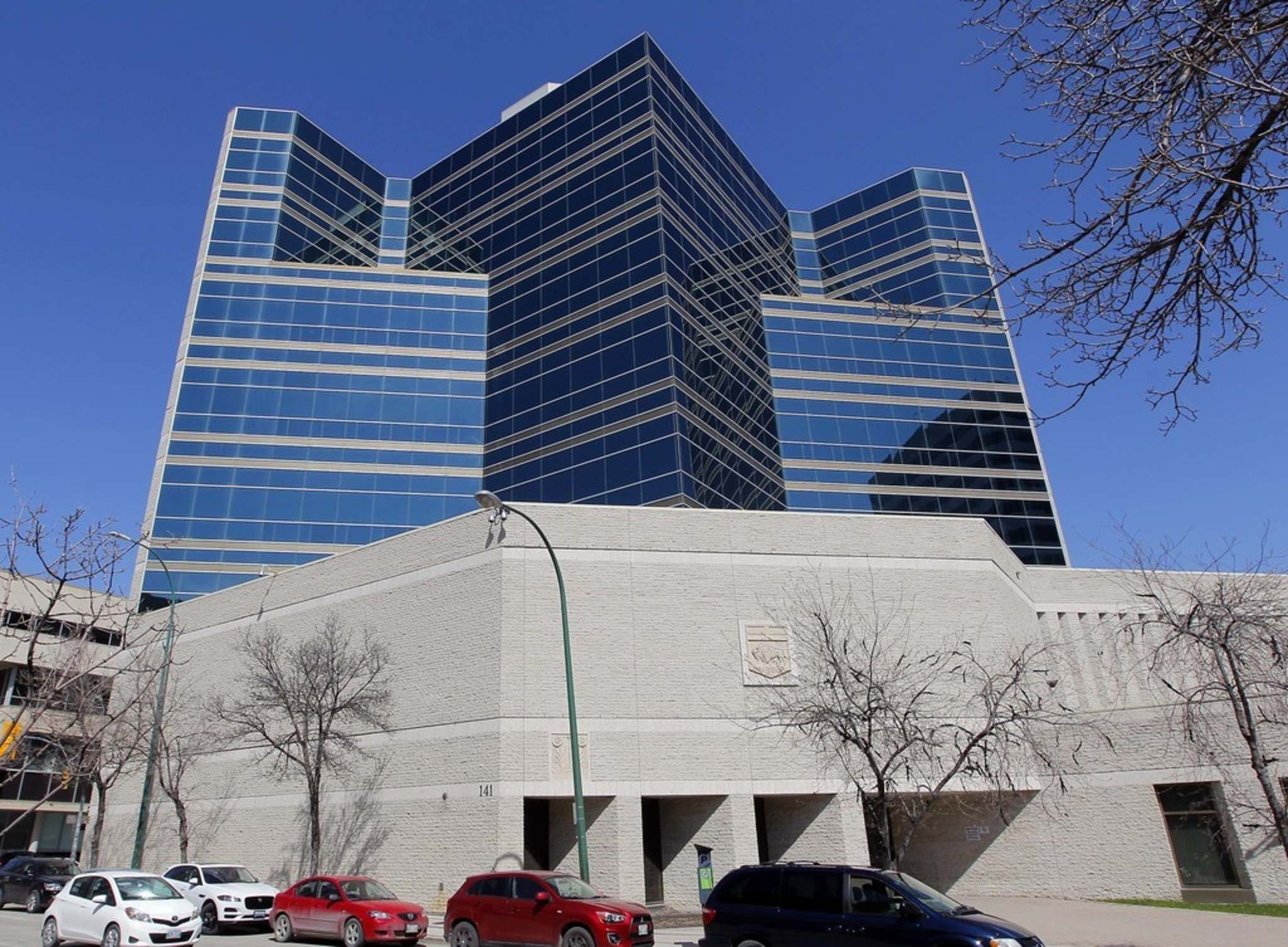 All new admissions to the province's adult and youth correctional facilities will be funnelled through the Winnipeg Remand Centre. (Boris Minkevich / Winnipeg Free Press files)</p>
