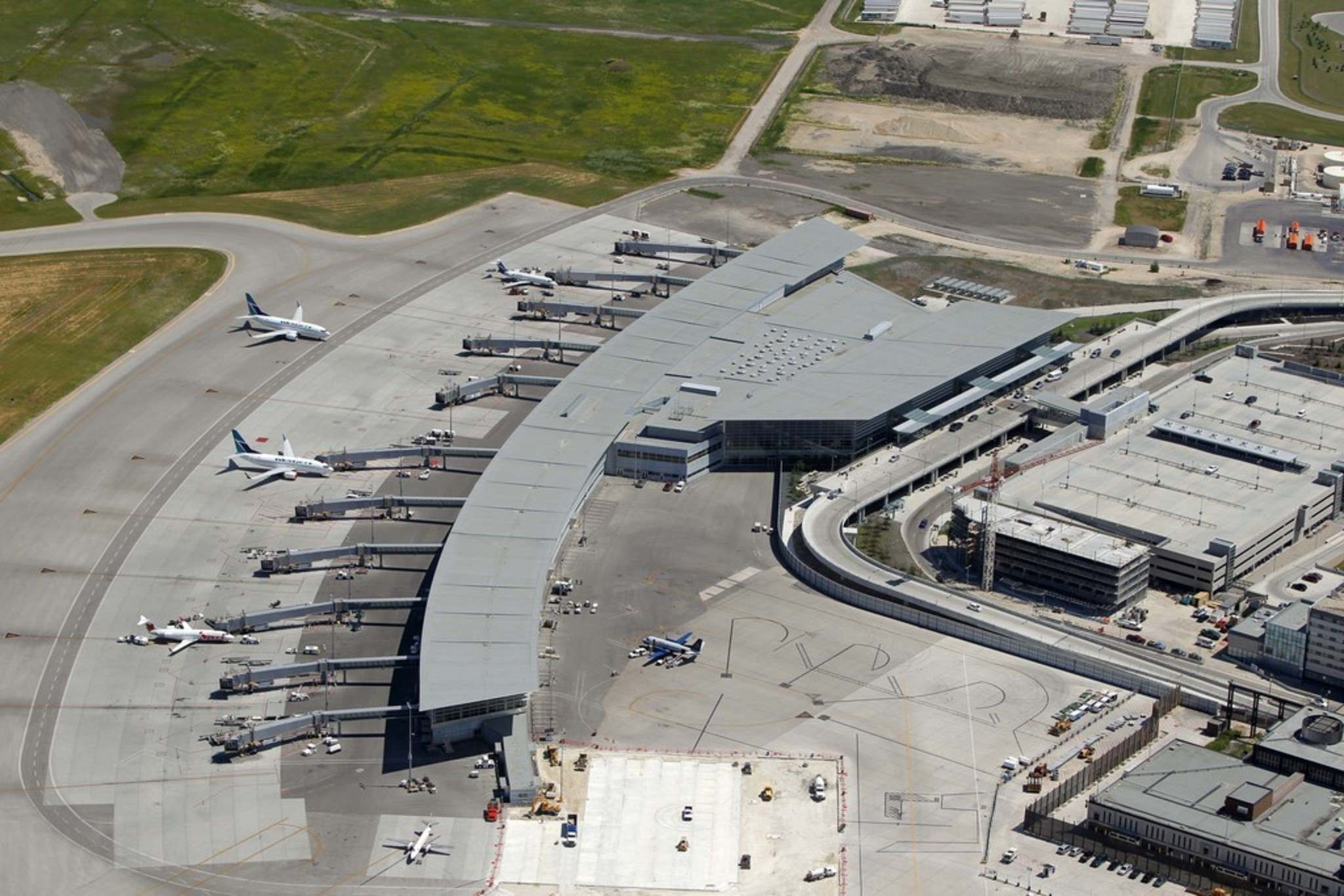 BORIS MINKEVICH / WINNIPEG FREE PRESS FILES</p><p>An aerial of Winnipeg's James Armstrong Richardson International Airport. A Winnipeg city council committee is divided in a debated plan to allow home construction closer to the airport.</p>