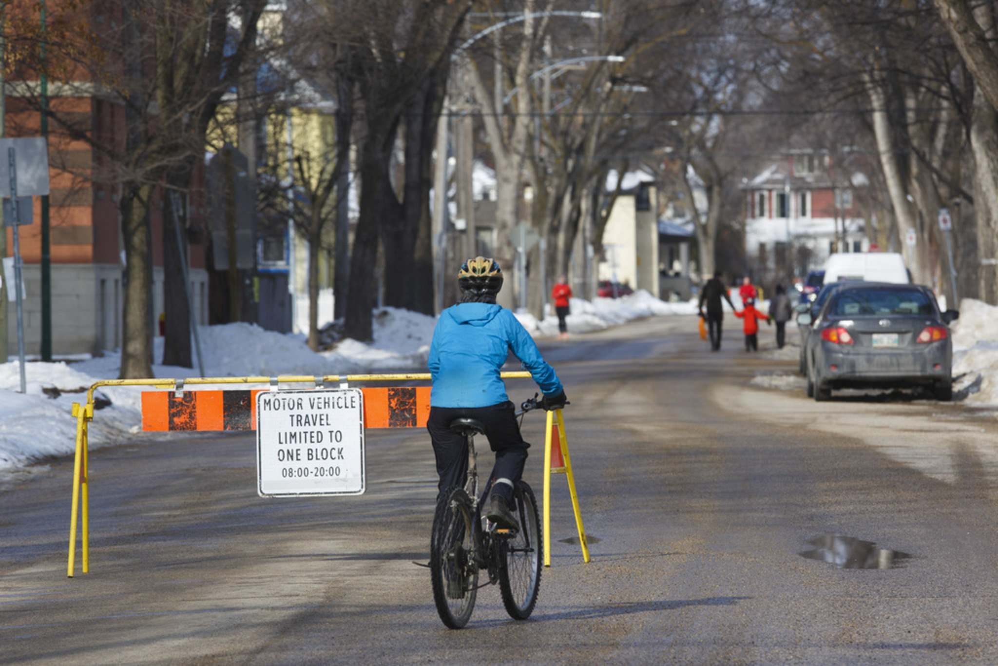 Wolseley Avenue is one of nine routes turned into pedestrian and cyclist corridors in April; between 8 a.m. and 8 p.m., cars are only allowed to travel one block before they must divert onto other streets.City council is now considering extending these restrictions into September. (Mike Deal / Winnipeg Free Press files)</p>