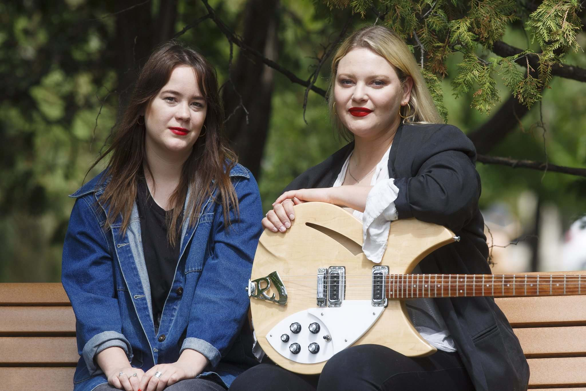 MIKE DEAL / WINNIPEG FREE PRESS</p><p>Jodi Dunlop (left) and Stefanie Johnson of Mise en Scene have created a video that draws on video from fans all over the world, and it also updates on them and how their album and tour was disrupted by the pandemic.</p>