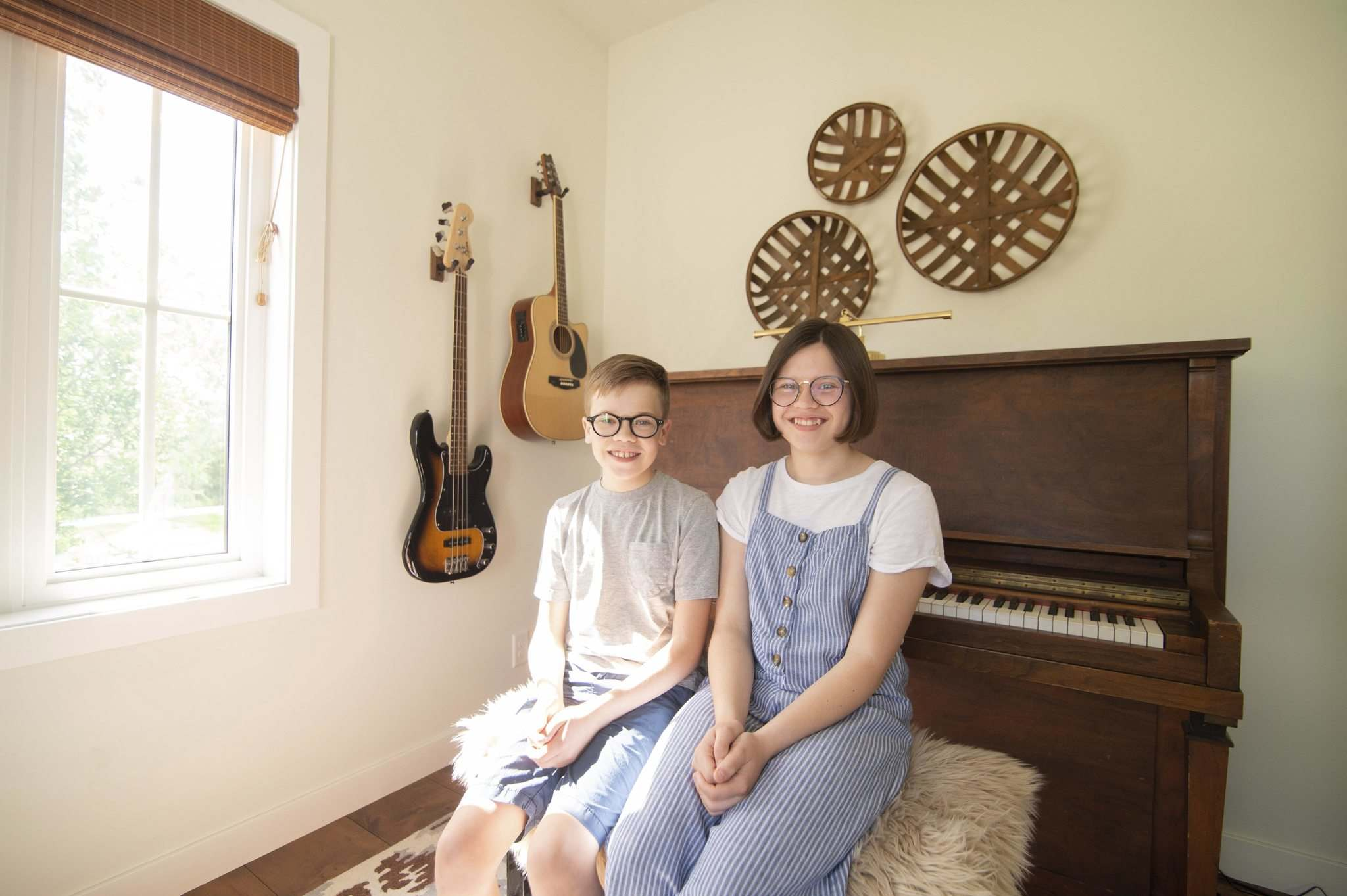 Mabel and Henry Harrington began singing as tots and play multiple instruments including trumpet, oboe, cello and piano. (Mike Sudoma / Winnipeg Free Press)