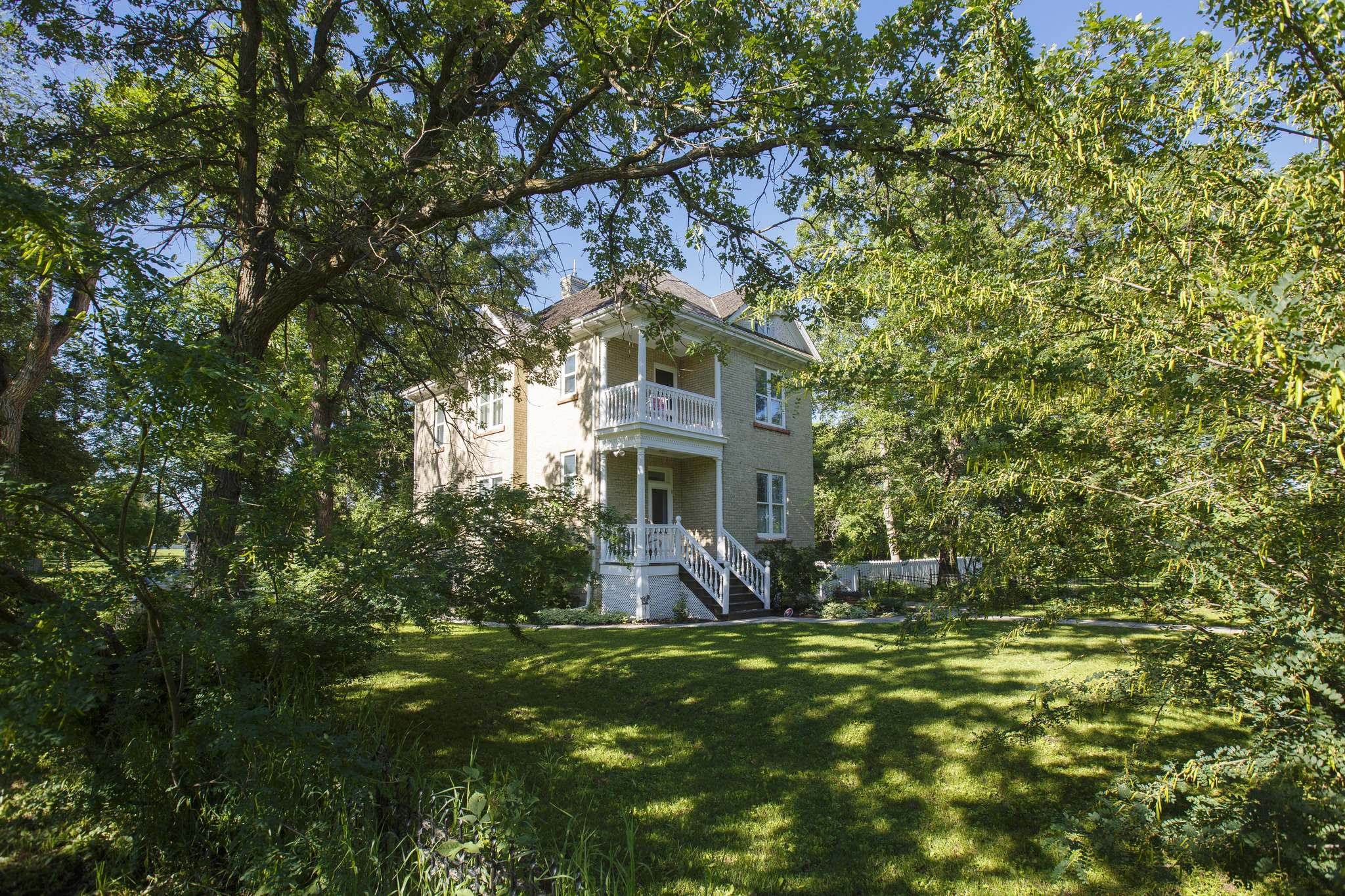 Caron Park in Charleswood is on the Assiniboine River and includes historic Caron House. (Mike Deal / Winnipeg Free Press)