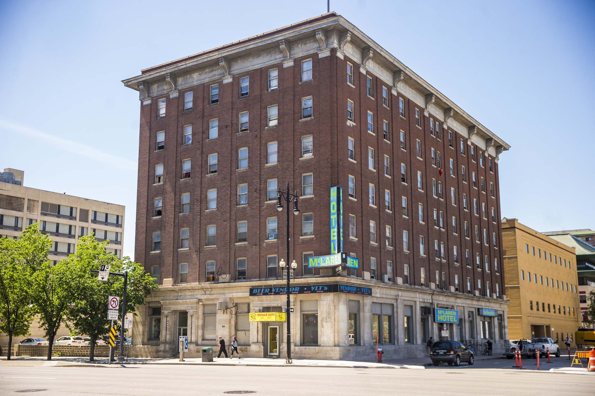 The east and north facades of the McLaren Hotel have been added to the city's historical resources list. (Mikaela MacKenzie / Winnipeg Free Press)</p>