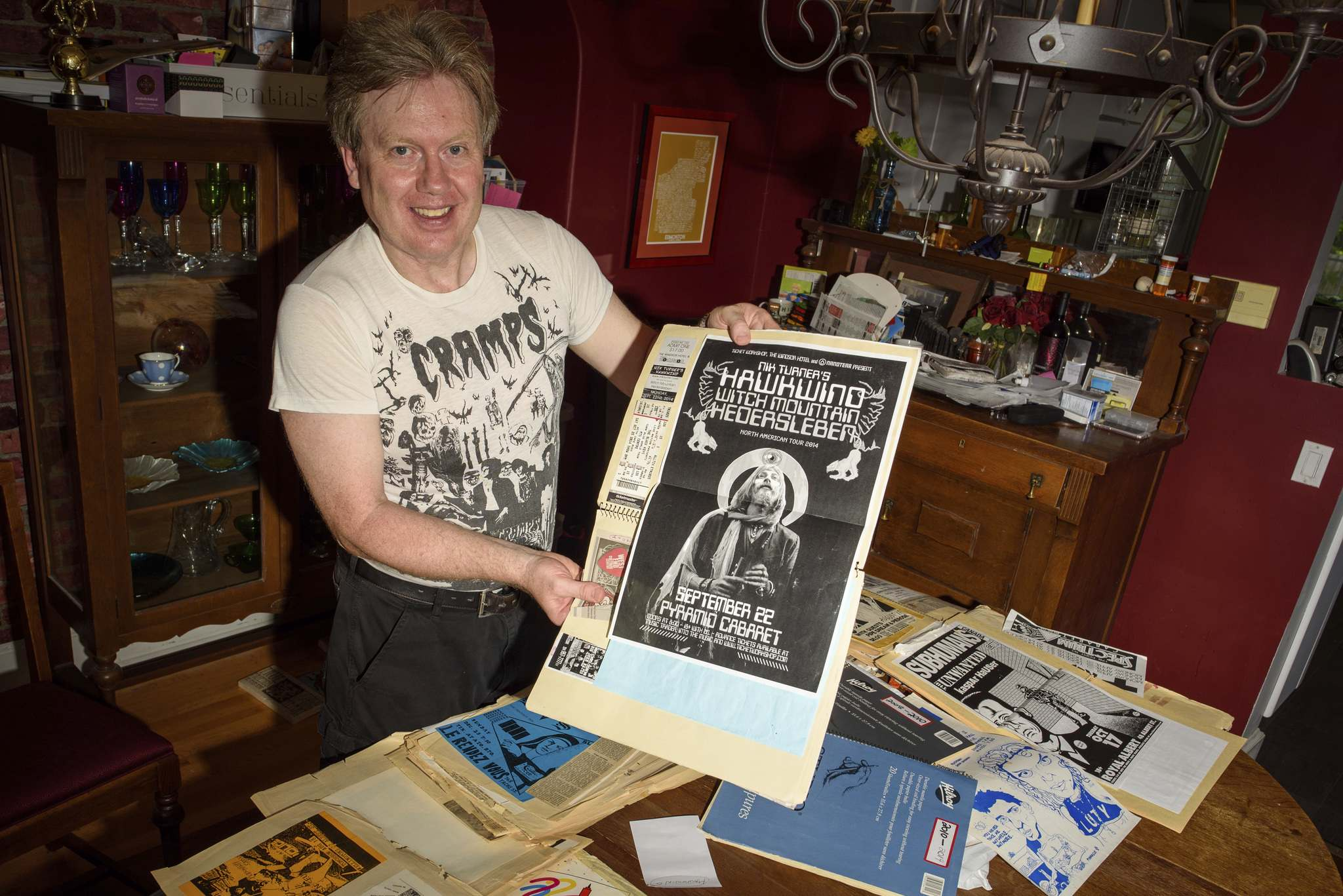 JESSE BOILY / WINNIPEG FREE PRESS</p><p>Glen Morris looks through ticket stubs, newspaper clippings, handwritten set lists and posters he's collected since 1976, creating his own personal history of Winnipeg's music scene.</p>