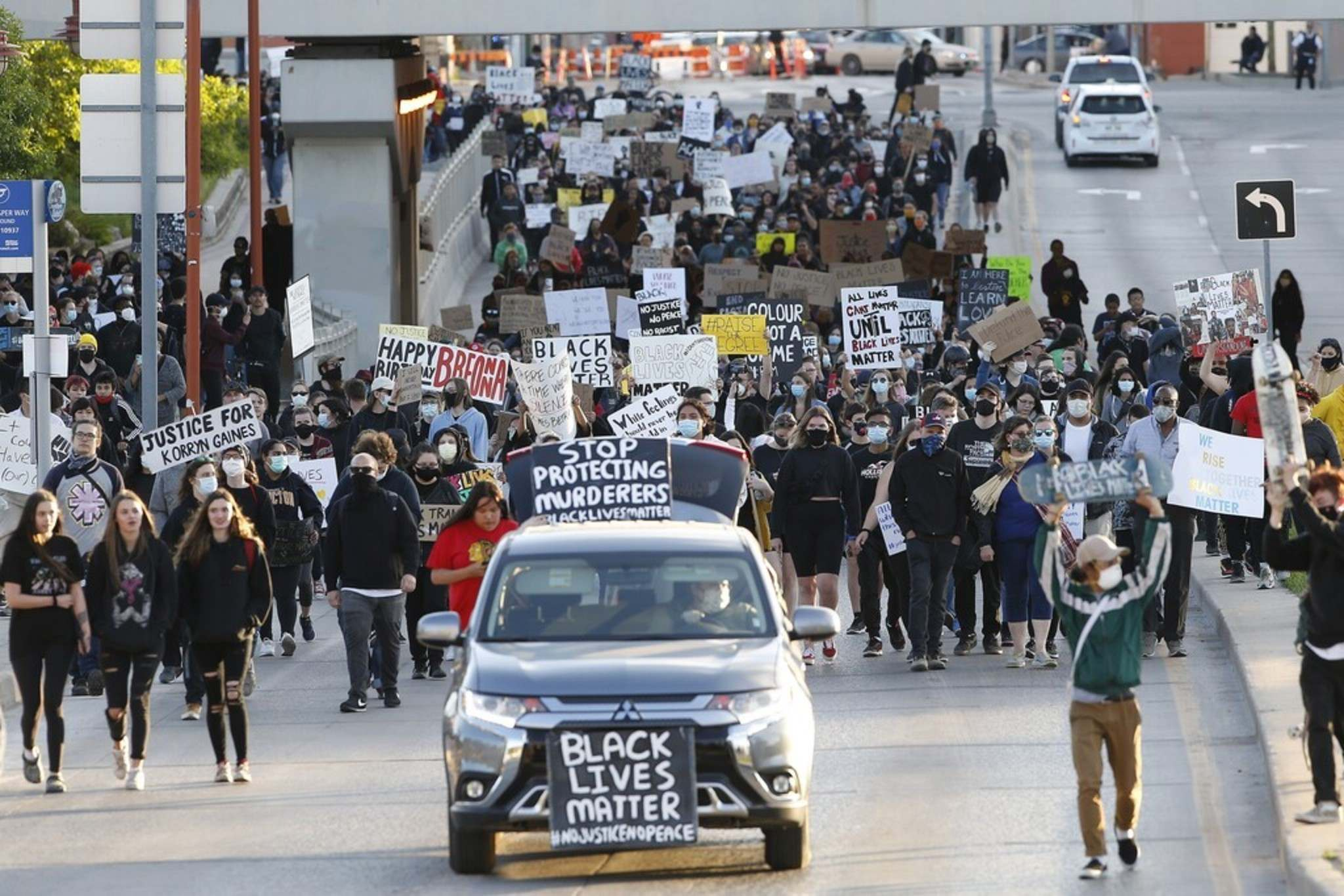 John Woods / THE CANADIAN PRESS FILES</p><p>People march in solidarity with the George Floyd protests across the United States in Winnipeg in June. A recent survey found that 72 per cent of Manitobans feel the protests in Canada are justified.</p>