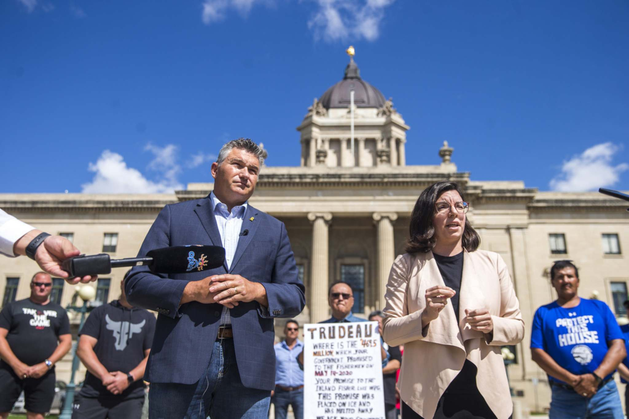 MIKAELA MACKENZIE / WINNIPEG FREE PRESS</p><p>James Bezan, Conservative MP for Selkirk-Interlake-Eastman (left) and Niki Ashton, NDP MP for Churchill-Keewatinook Aski, speak to the media about the lack of support from the federal government for Manitoba's commercial fishers at the Manitoba Legislative Building in Winnipeg on Friday.</p>