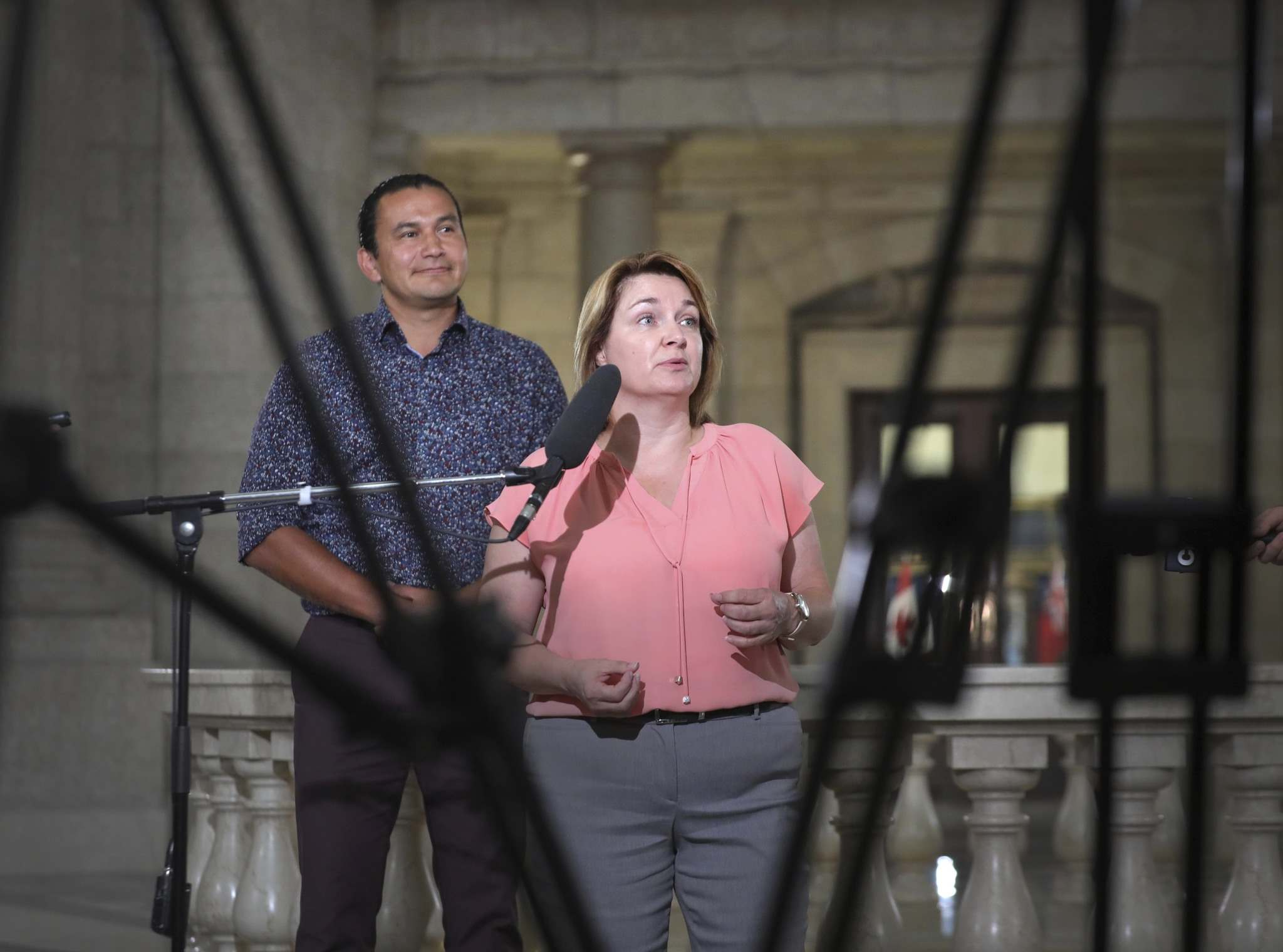 NDP leader Wab Kinew and UFCW secretary-treasurer Bea Bruske say there needs to be universal paid sick leave of 100 per cent of an employee's salary during the pandemic. (Ruth Bonneville / Winnipeg Free Press)</p>