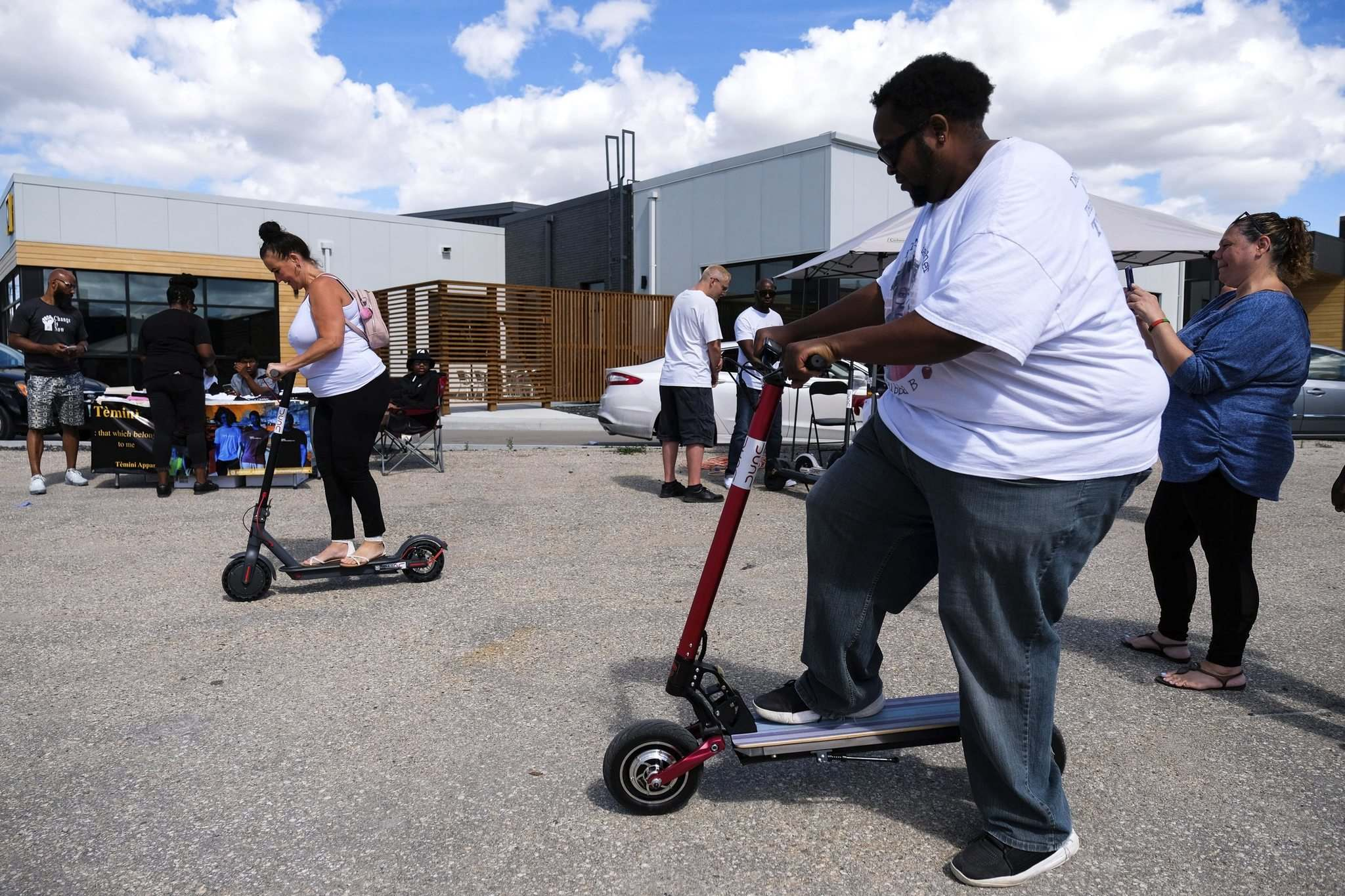 Bubba B the MC tests an electric scooter Saturday at The Block Party Vol. 1. (Daniel Crump / Winnipeg Free Press)</p></p>