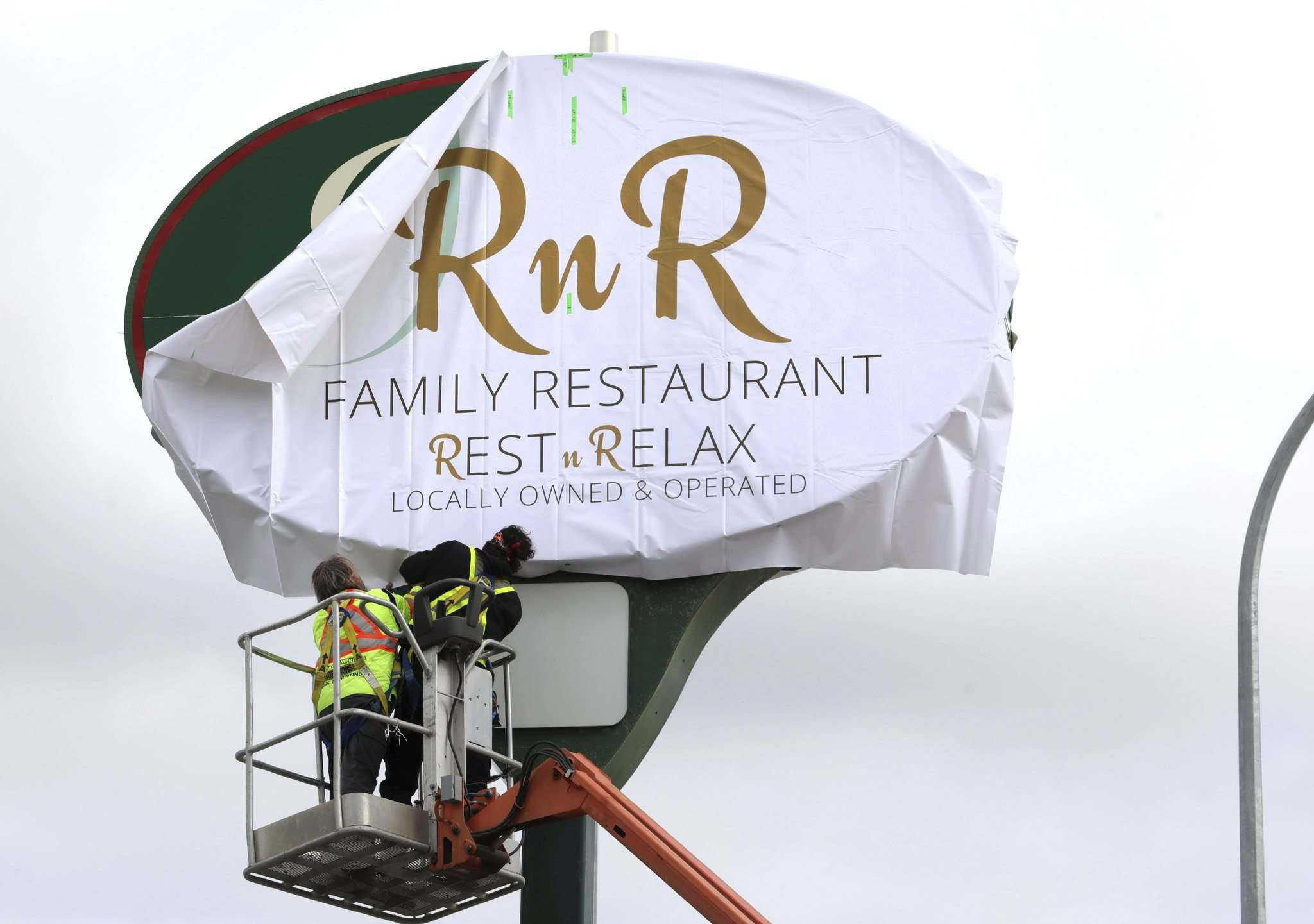 The renewed brand — RnR, for Rest and Relaxation — will look to maintain longtime customers while adding new options, such as enhanced vegetarian and gluten-free items. (Ruth Bonneville / Winnipeg Free Press)