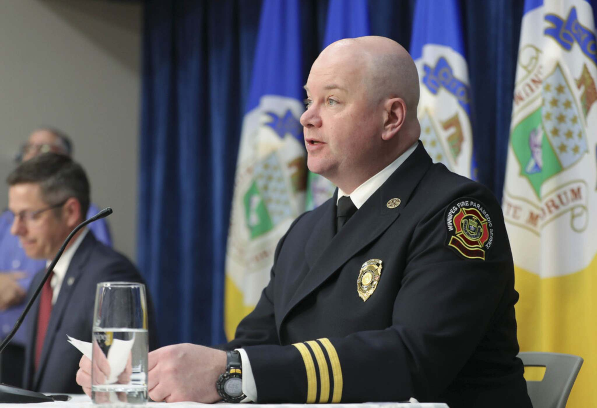 "RUTH BONNEVILLE / WINNIPEG FREE PRESS FILES</p><p>Winnipeg's assistant chief of emergency management Jason Shaw: ""we're going to take a moment to assess and make sure that we've got things right.""</p>"