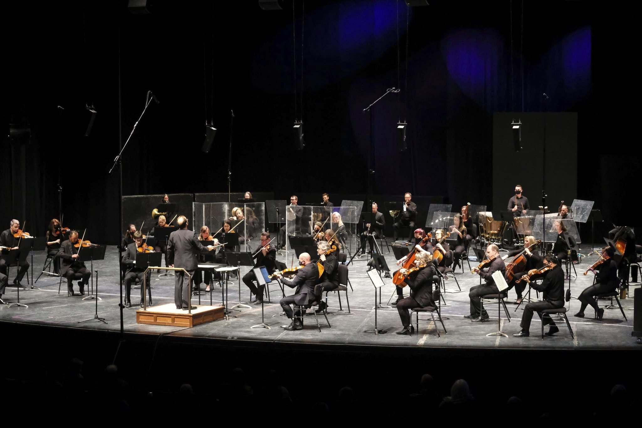 (Daniel Crump / Winnipeg Free Press)</p><p>The WSO opening night featured COVID protective measures in place.</p>