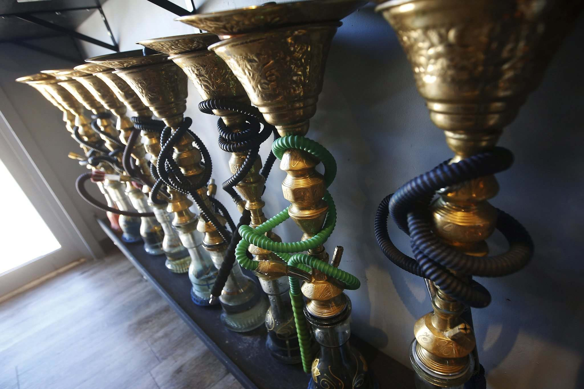Hookah smoke exposes its users to high levels of dangerous chemicals. (John Woods / Winnipeg Free Press files)