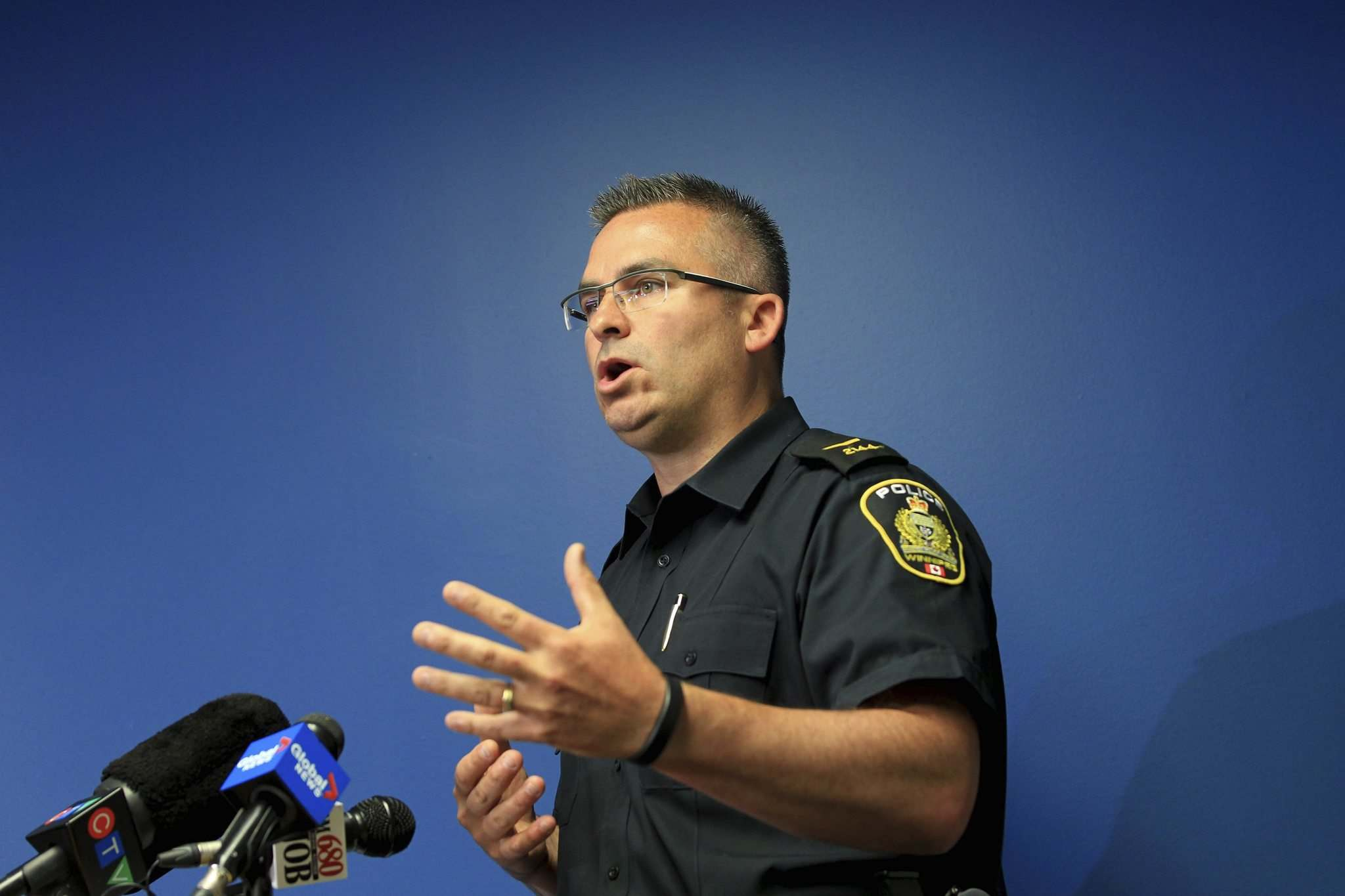 RUTH BONNEVILLE / WINNIPEG FREE PRESS</p><p>Const. Jason Michalyshen comments on the Giesbrecht case Saturday during a press conference.</p>