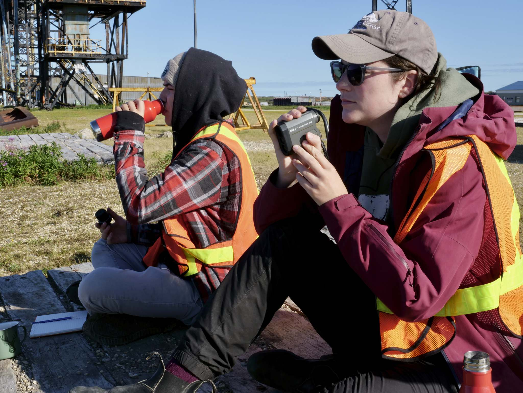 SARAH LAWRYNUIK / WINNIPEG FREE PRESS</p><p>Terry Palmer (left) and Erica Gillis document belugas' behaviour in the estuary from their perch at the Port of Churchill.</p>
