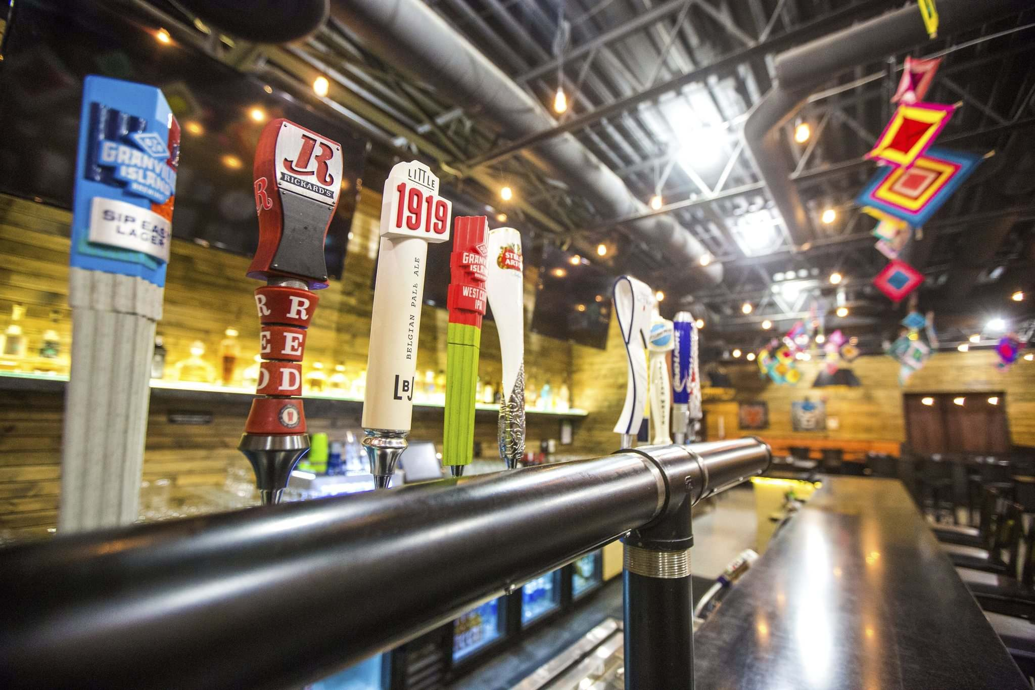 The taps are shut off at LA Roca and 14 other businesses with entertainment licences. (Mikaela MacKenzie / Winnipeg Free Press)