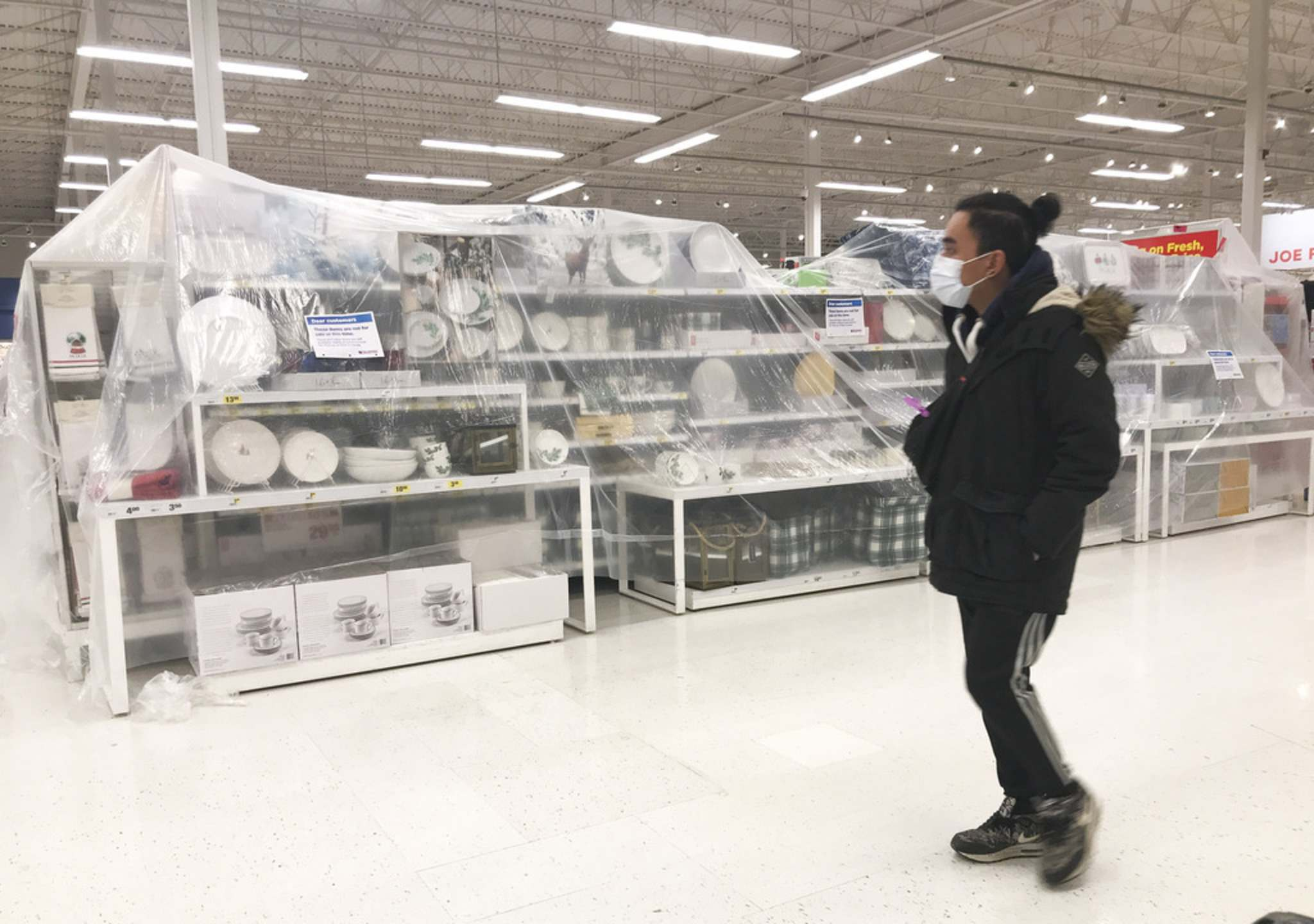 MIKE DEAL / WINNIPEG FREE PRESS</p><p>Superstore on Sargent Avenue had done a very thorough job blocking access to non-essential goods as of Friday afternoon.</p>