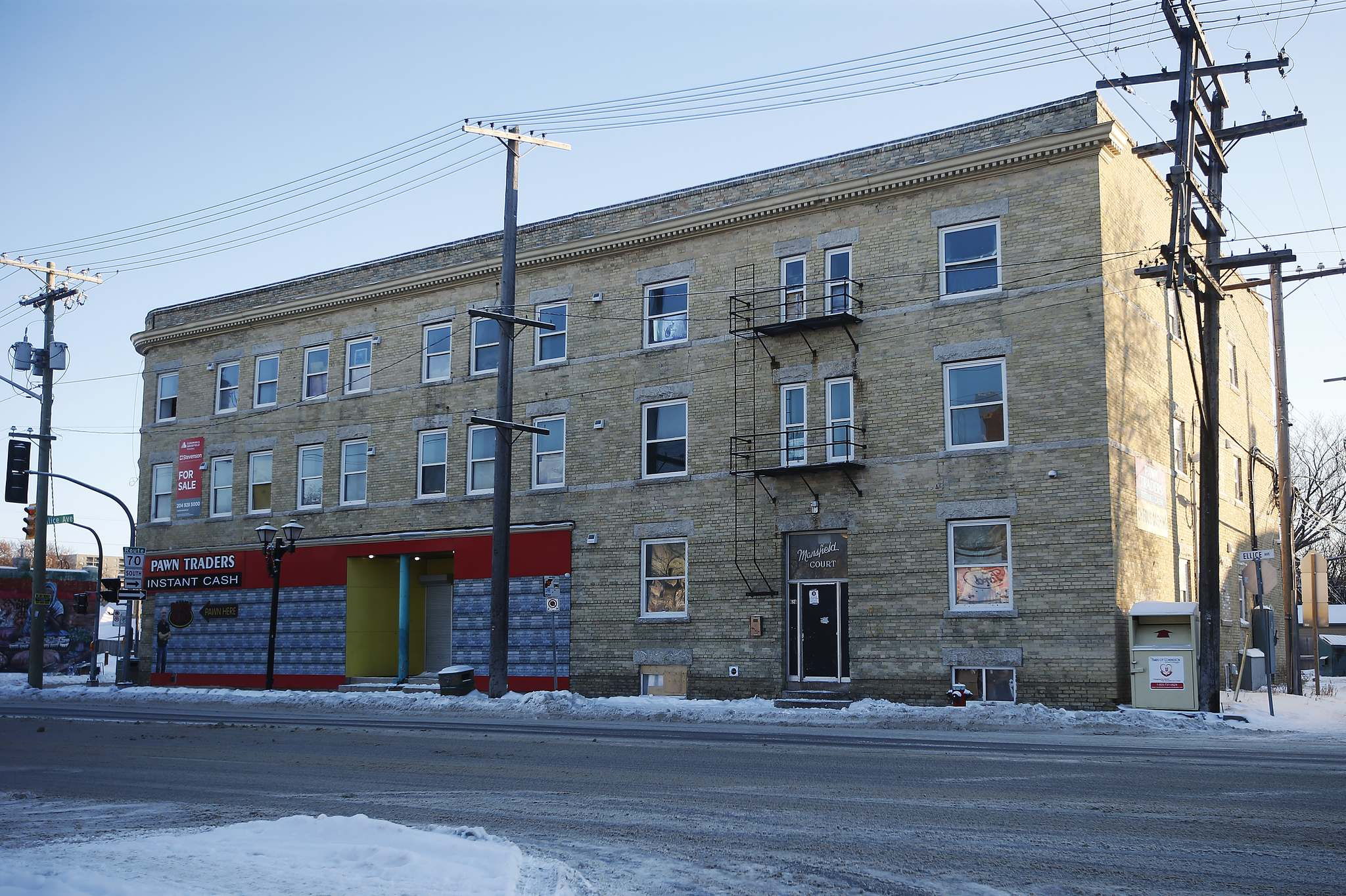 JOHN WOODS / WINNIPEG FREE PRESS</p><p>The apartment block at 626 Ellice Ave. has been plagued with fires and safety issues.</p>