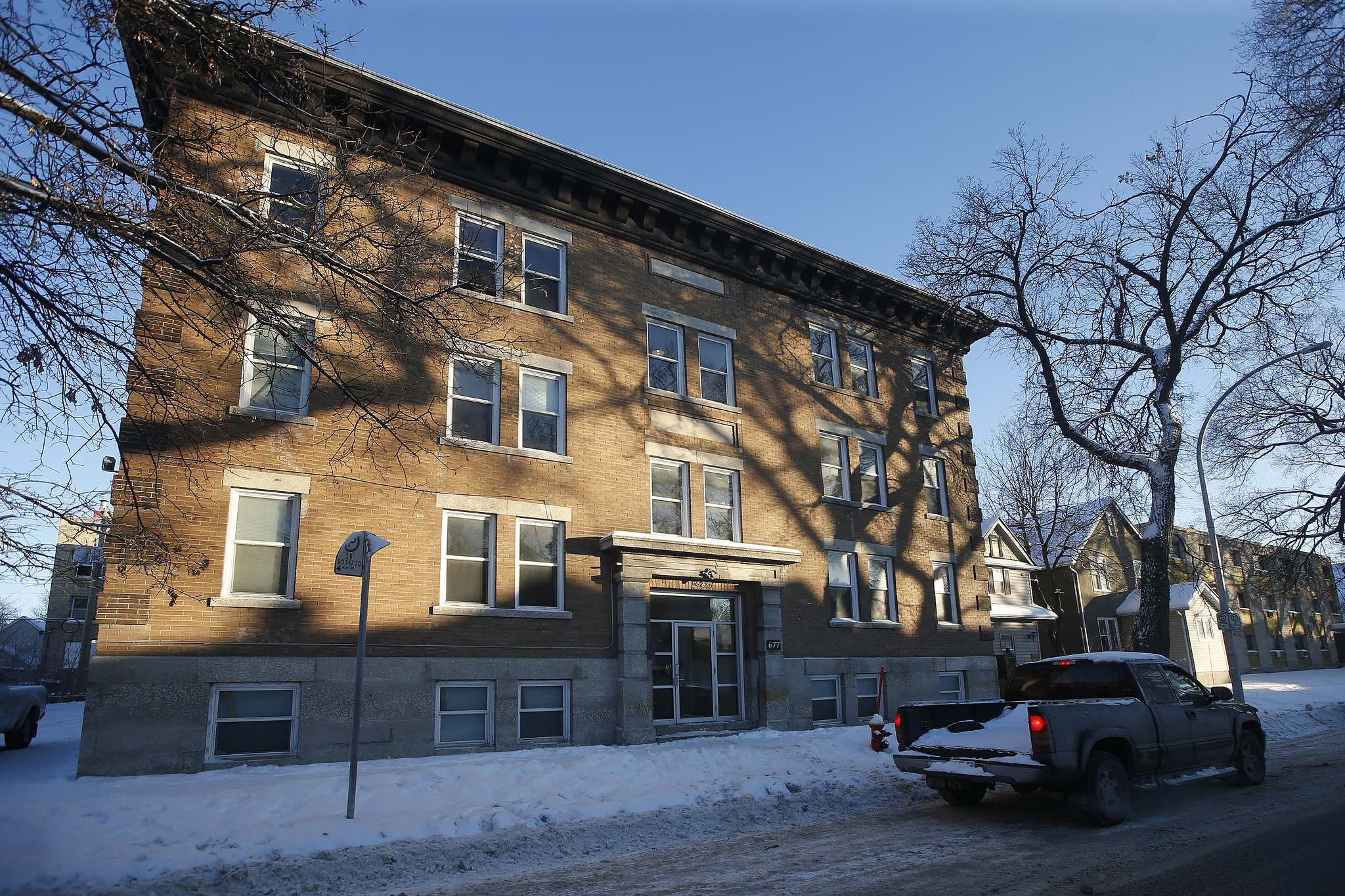JOHN WOODS / WINNIPEG FREE PRESS</p><p>Vida Living has already begun renovating the block at 677 Maryland St.</p></p>