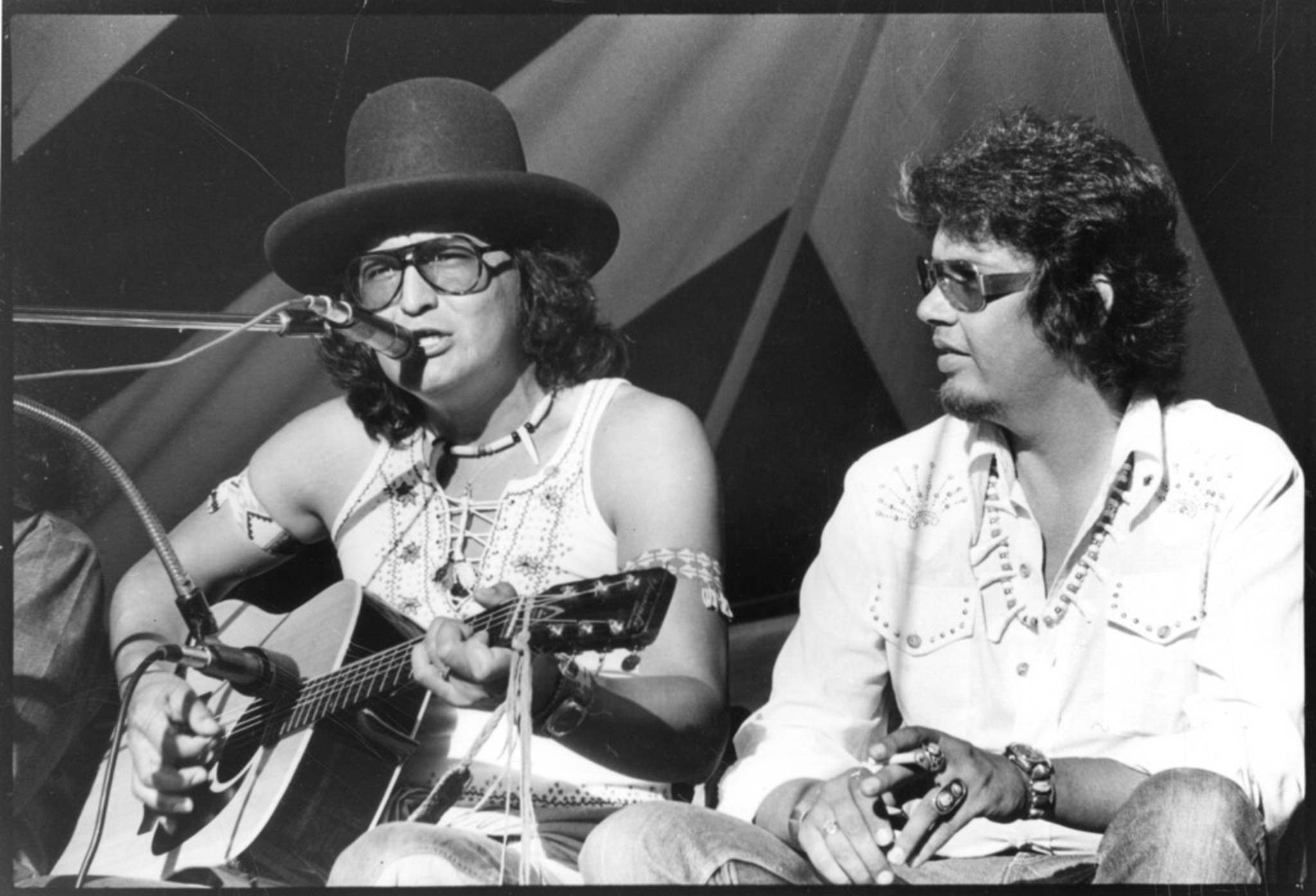 Shingoose, left, met Anishinaabe poet and spoken-word artist Duke Redbird, right, in 1973 in Toronto. It was a friendship and collaboration that would last for decades. (The Canadian Press files)