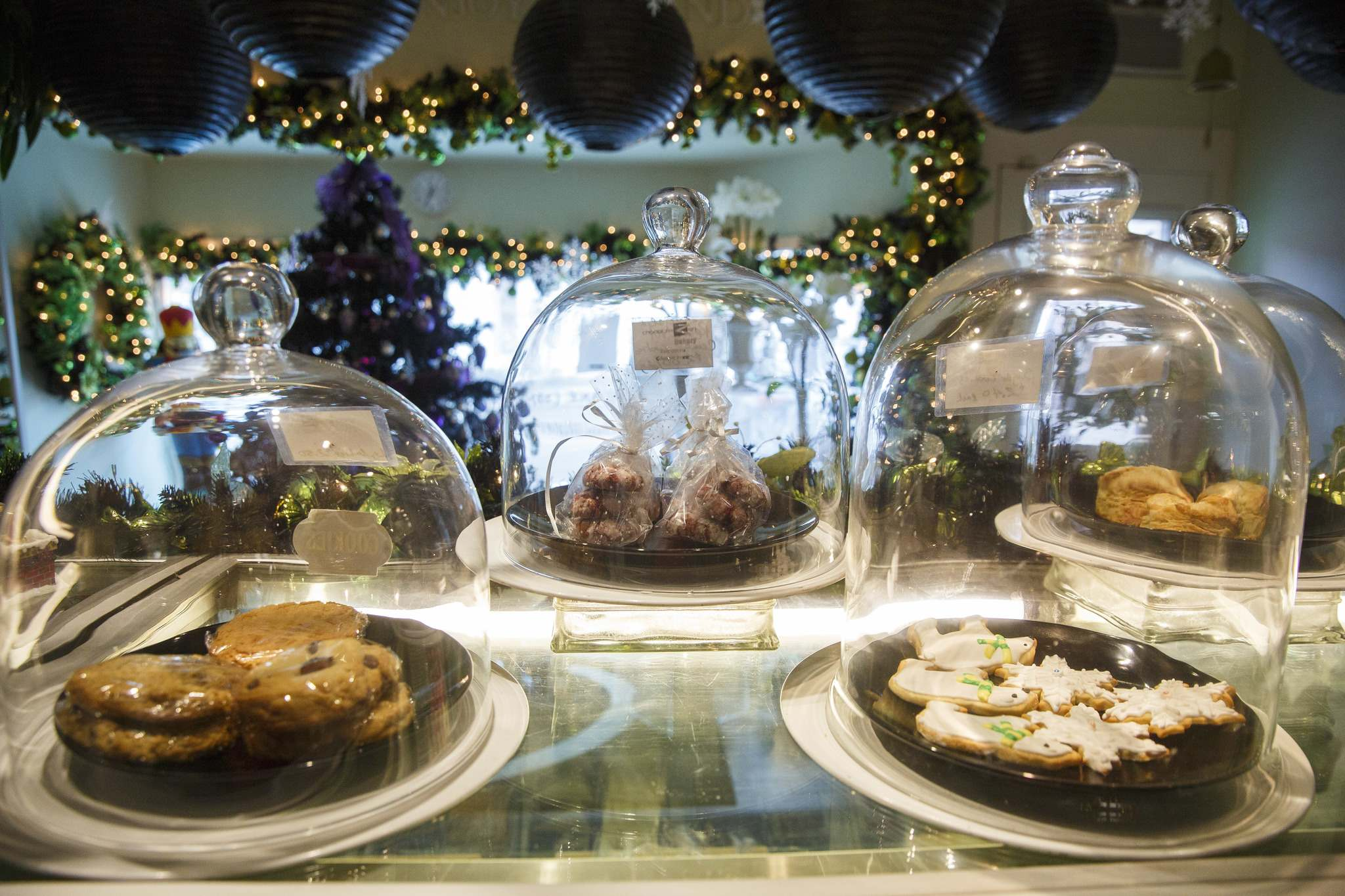 Displays of pastries are carefully covered for everyone's safety. (Mike Deal / Winnipeg Free Press)</p>