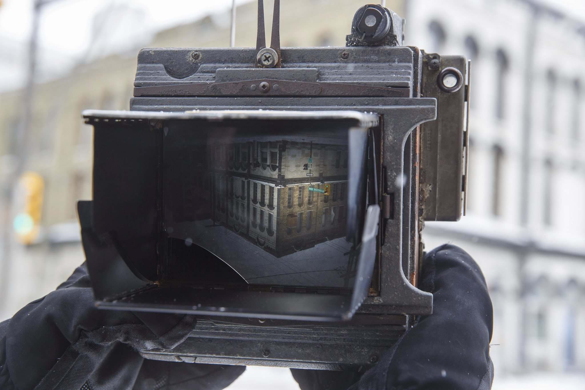 Keith Levit frames a shot in the ground glass viewer of his large-format 4x5 camera. (Mike Deal / Winnipeg Free Press)</p></p>