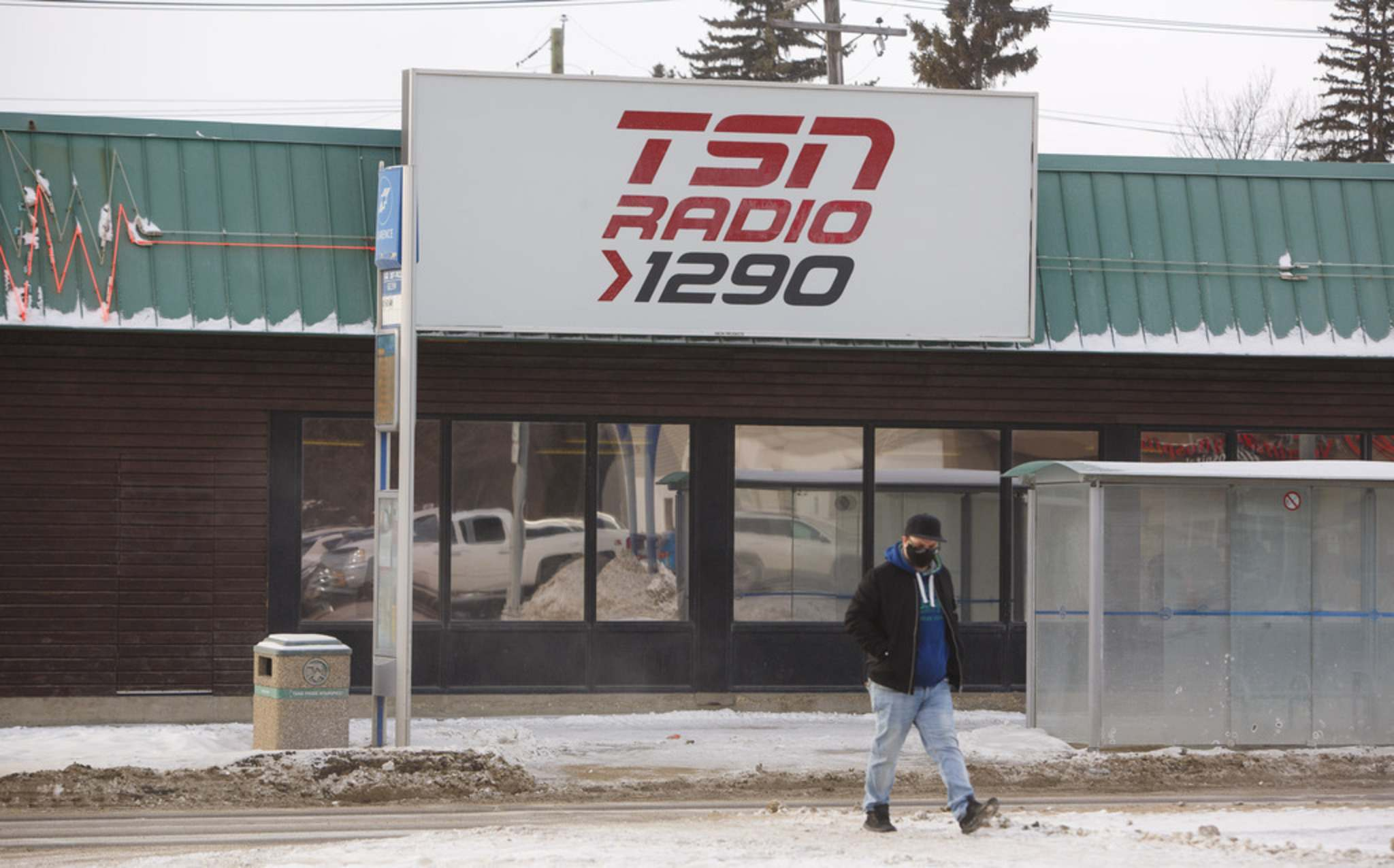MIKE DEAL / WINNIPEG FREE PRESS</p><p>TSN 1290 AM radio station on Pembina Hwy. is no longer a sports station. The news for the Winnipeg market was broadcast at 11:30 a.m. on the station.</p>