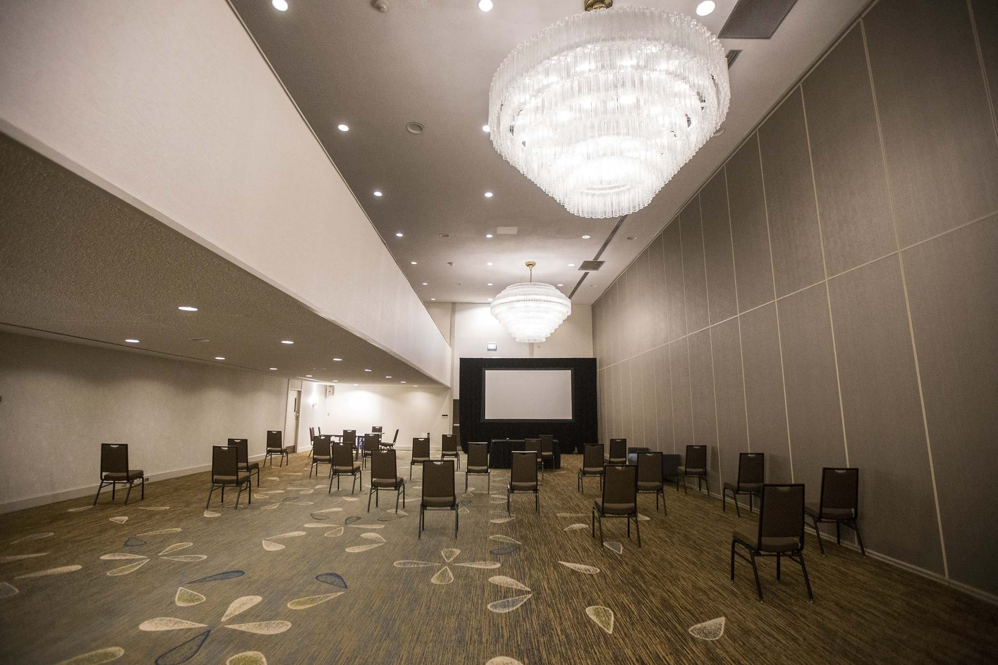 A conference room at the city's largest hotel sits unoccupied. (Mikaela MacKenzie / Winnipeg Free Press)