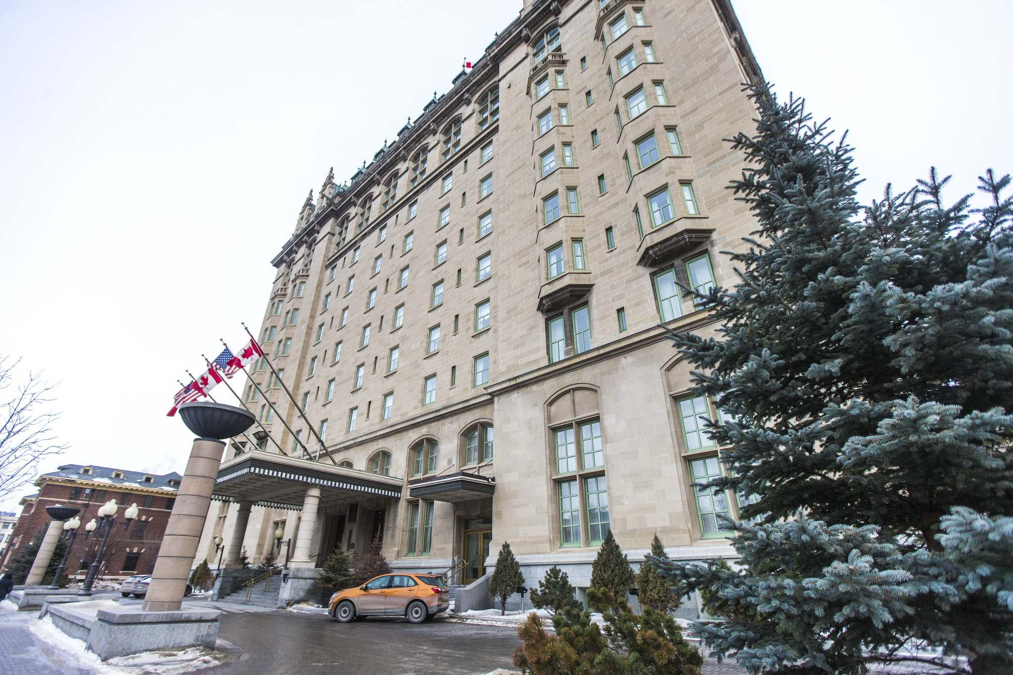 The Hotel Fort Garry. (Mikaela MacKenzie / Winnipeg Free Press)